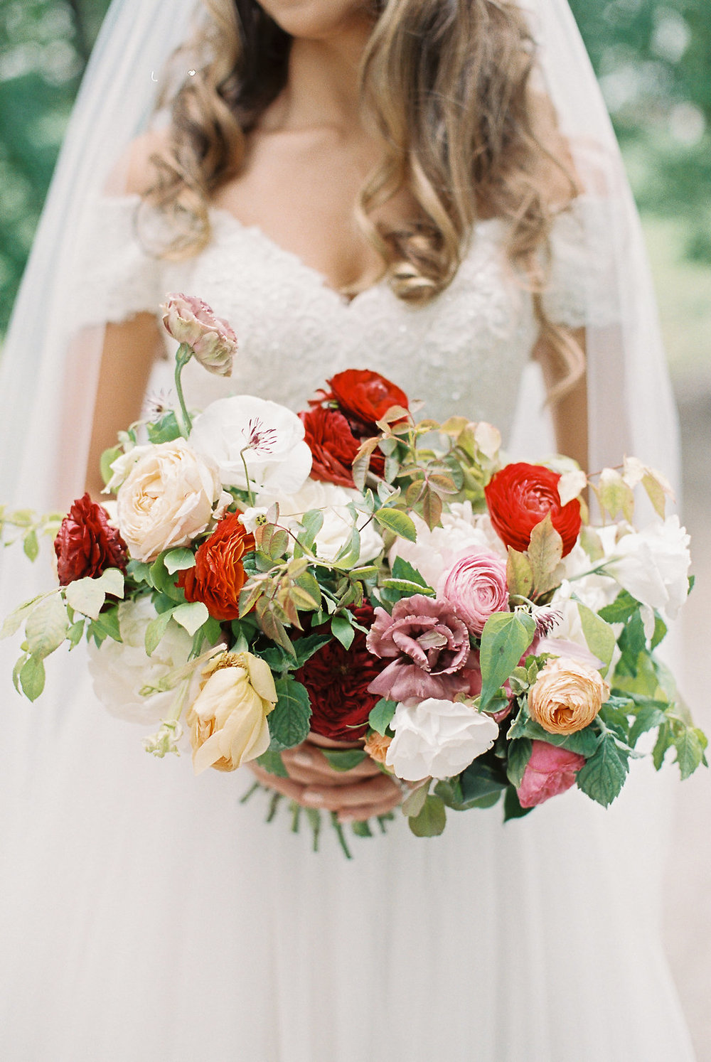 summer-colorful-bridal-bouquet.jpg