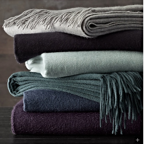 555-Gram Cashmere Throw