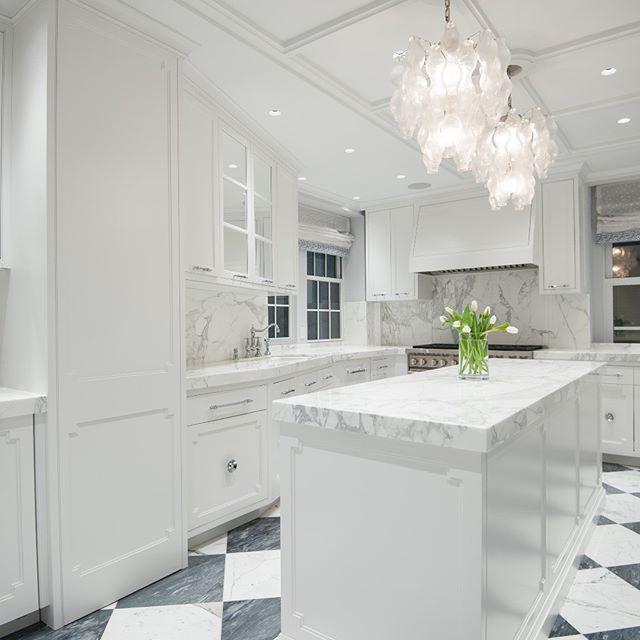 Photography: @karjaka  Design: @kellygiesendesign #design #moderndesign #contractor #construction #luxuryrealestate #modernconstruction #apartment #apartmentdecor #design #marble