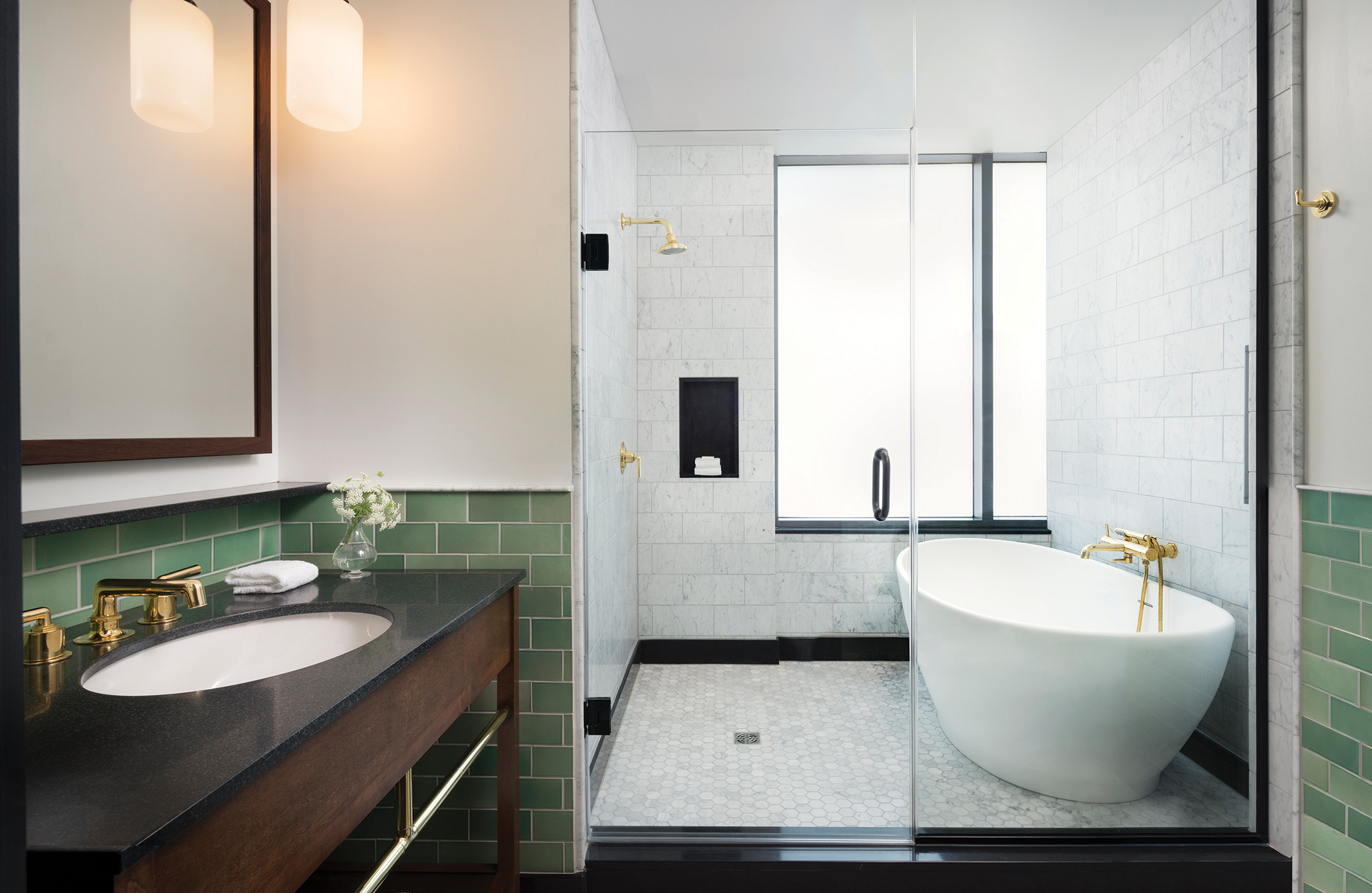 PROJECT FEATURED IMAGE_2120px X 1380px_bathroom.jpg