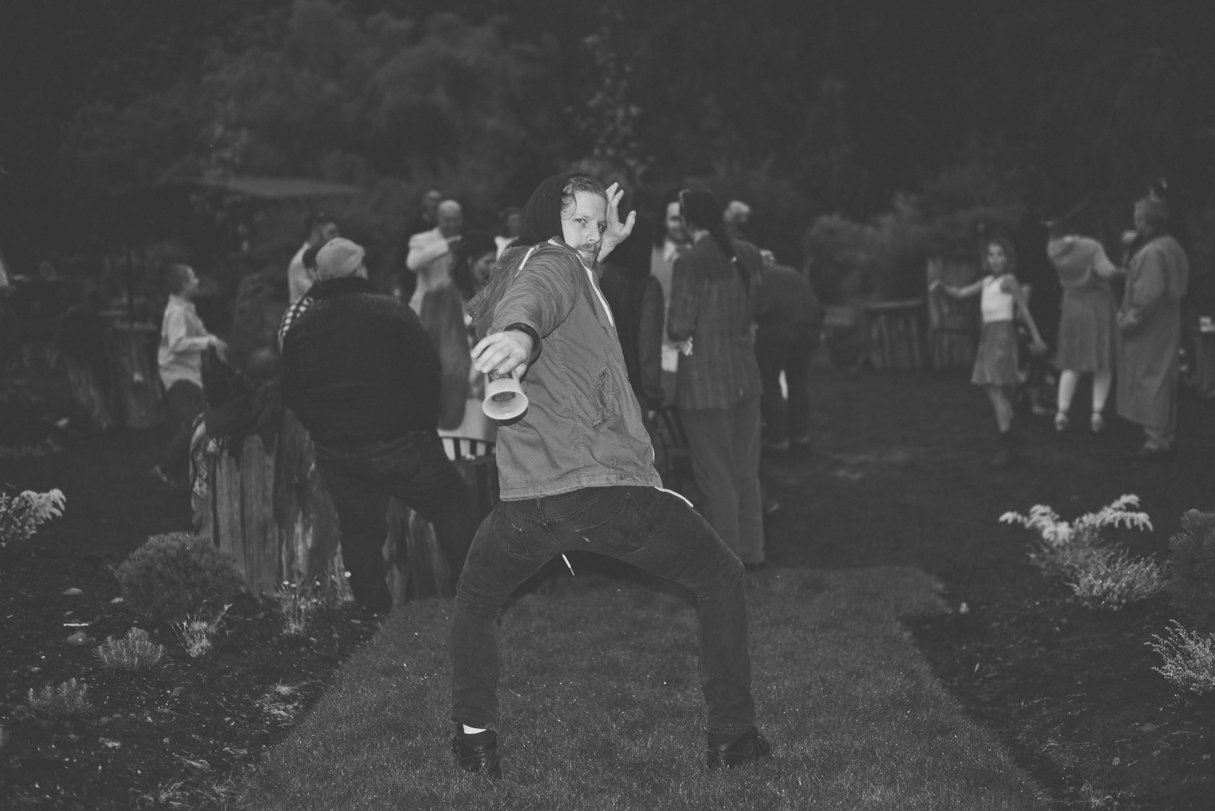 dancing-7683.jpg
