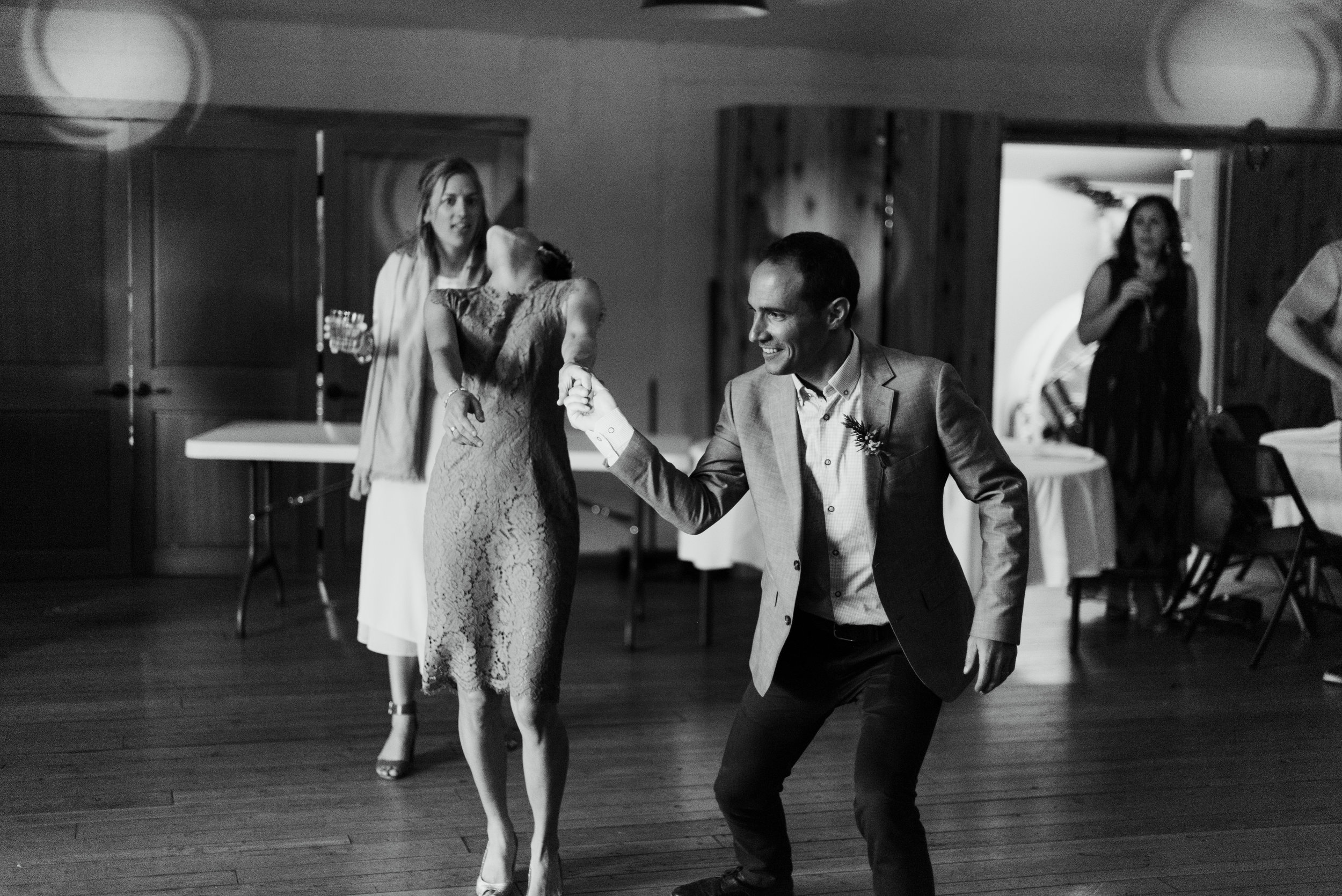 10 Dancing-7080.jpg