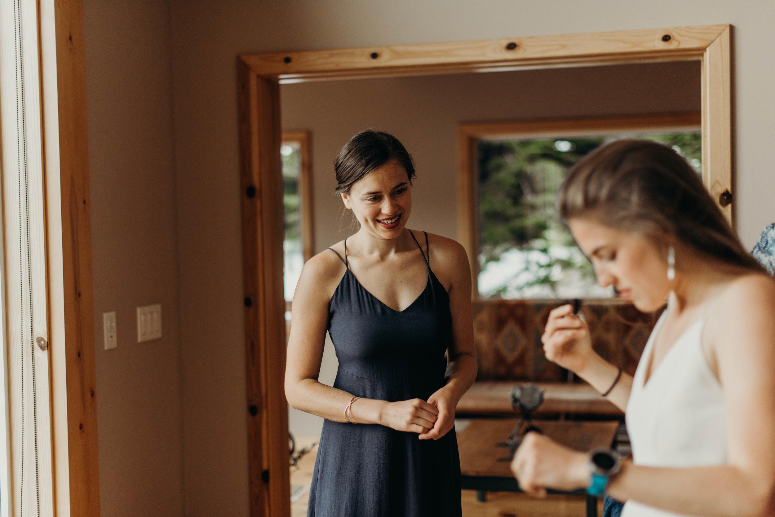 01 Ladies Getting Ready-1805.jpg