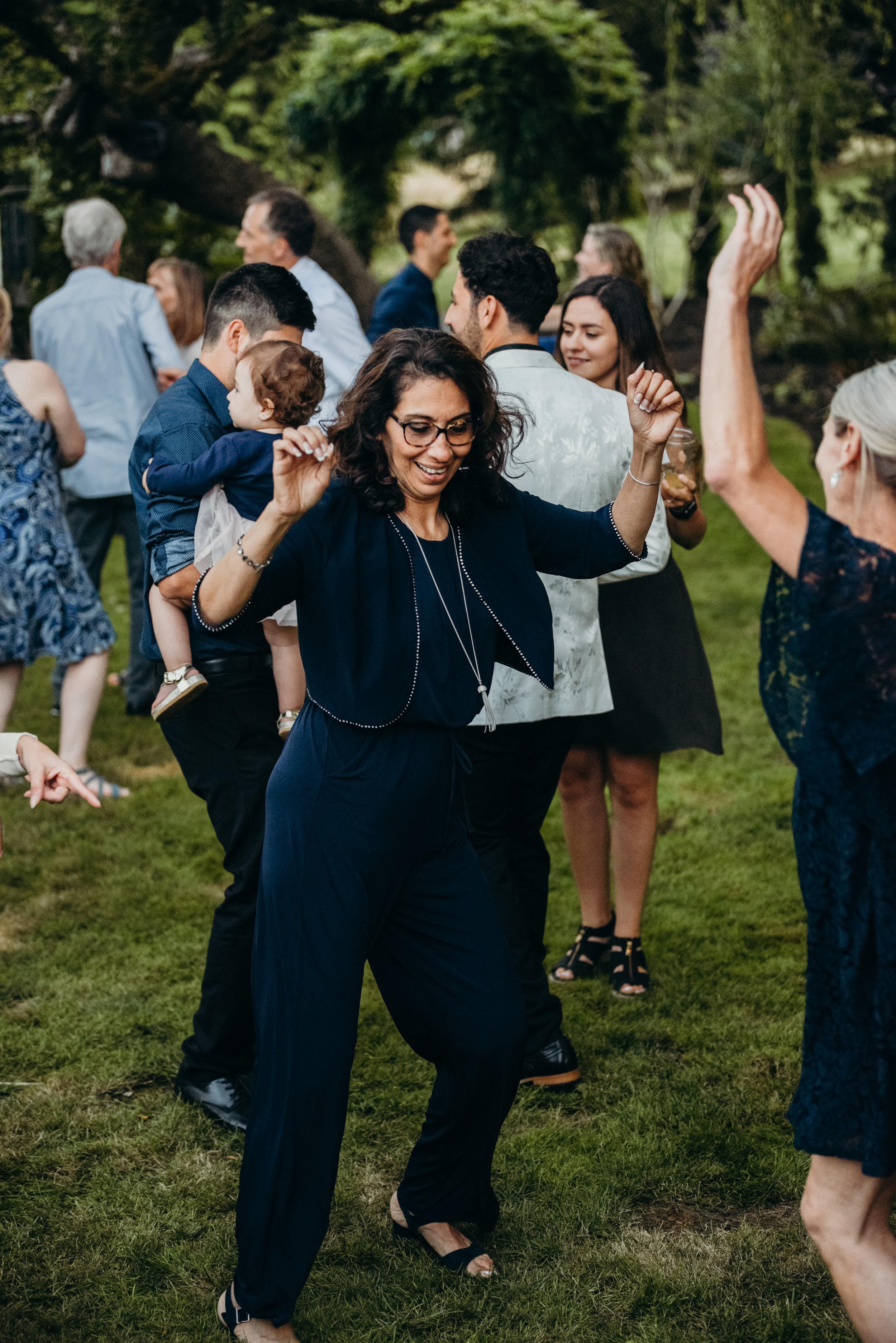 Dancing-29.jpg