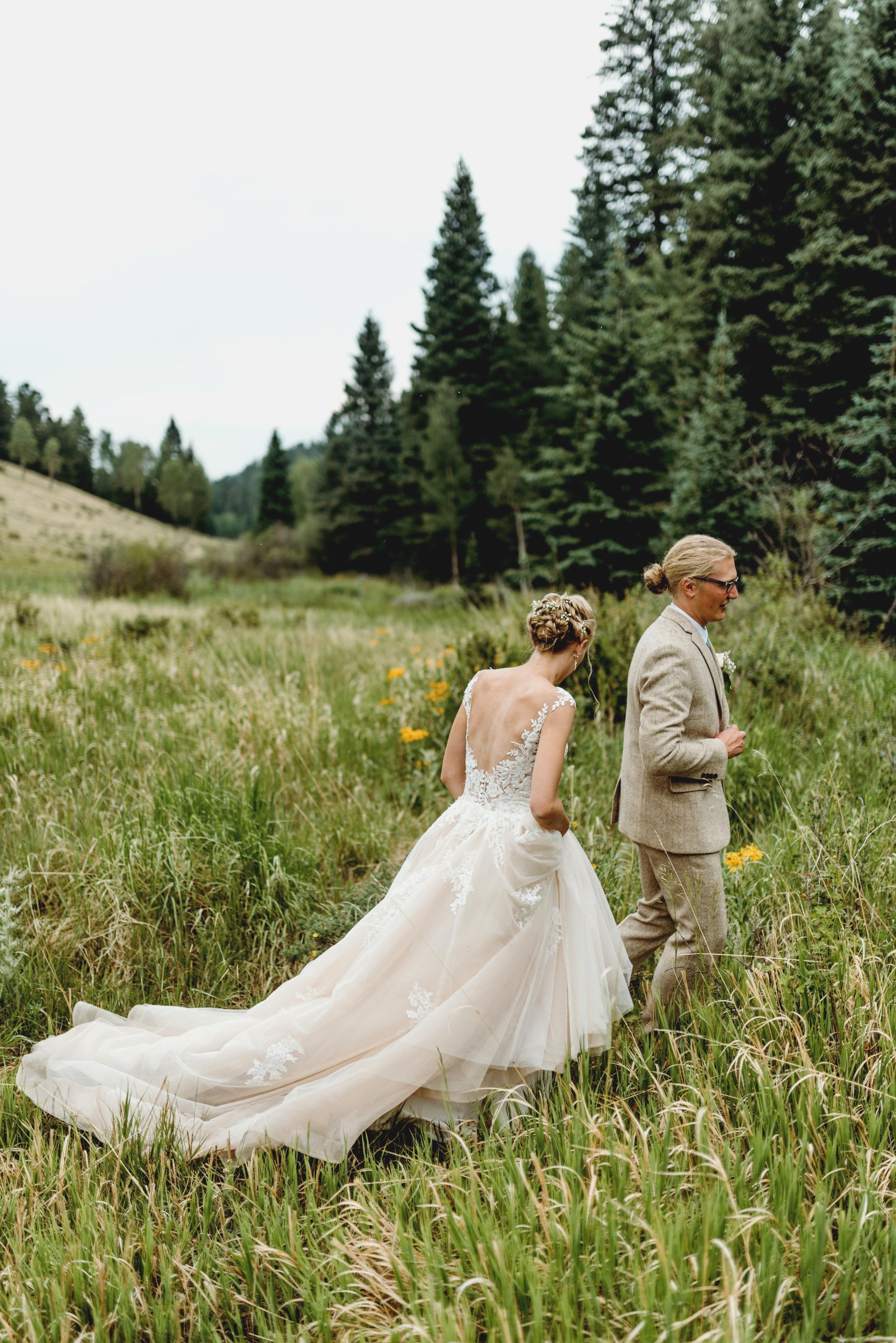 RUSTIC COLORADO MOUNTAIN WEDDING