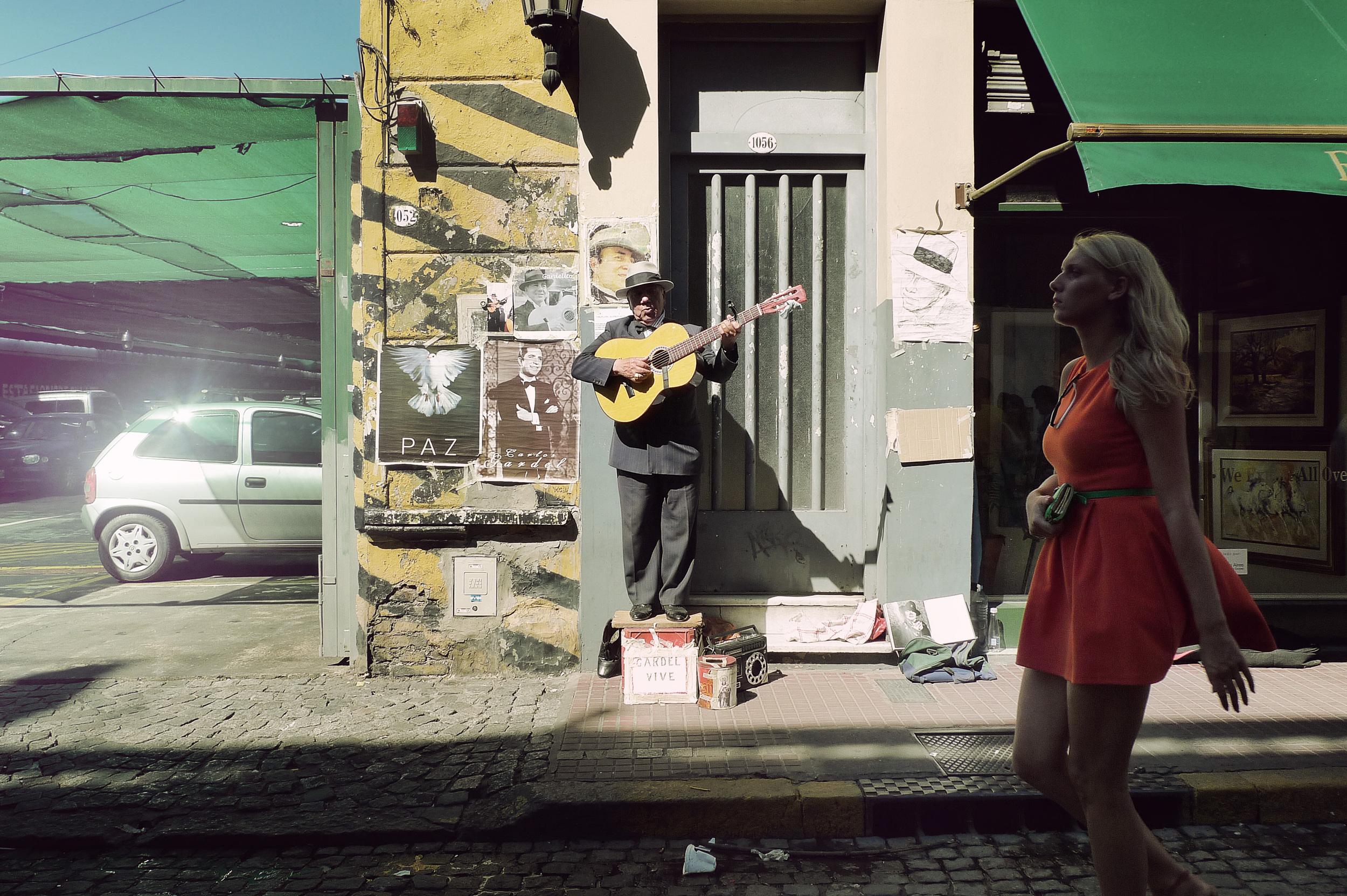 P1110657_musician.jpg