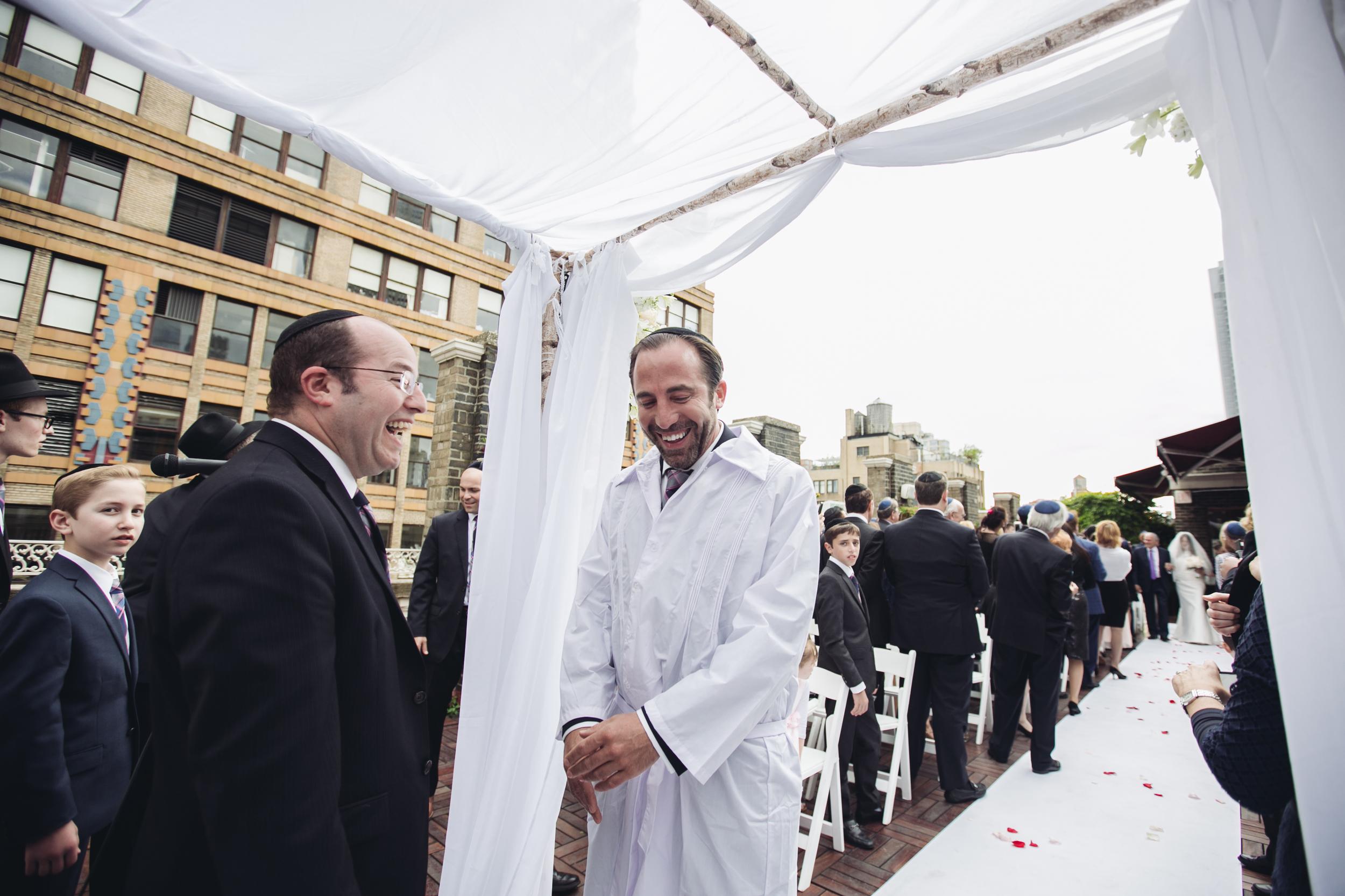 groom at isle