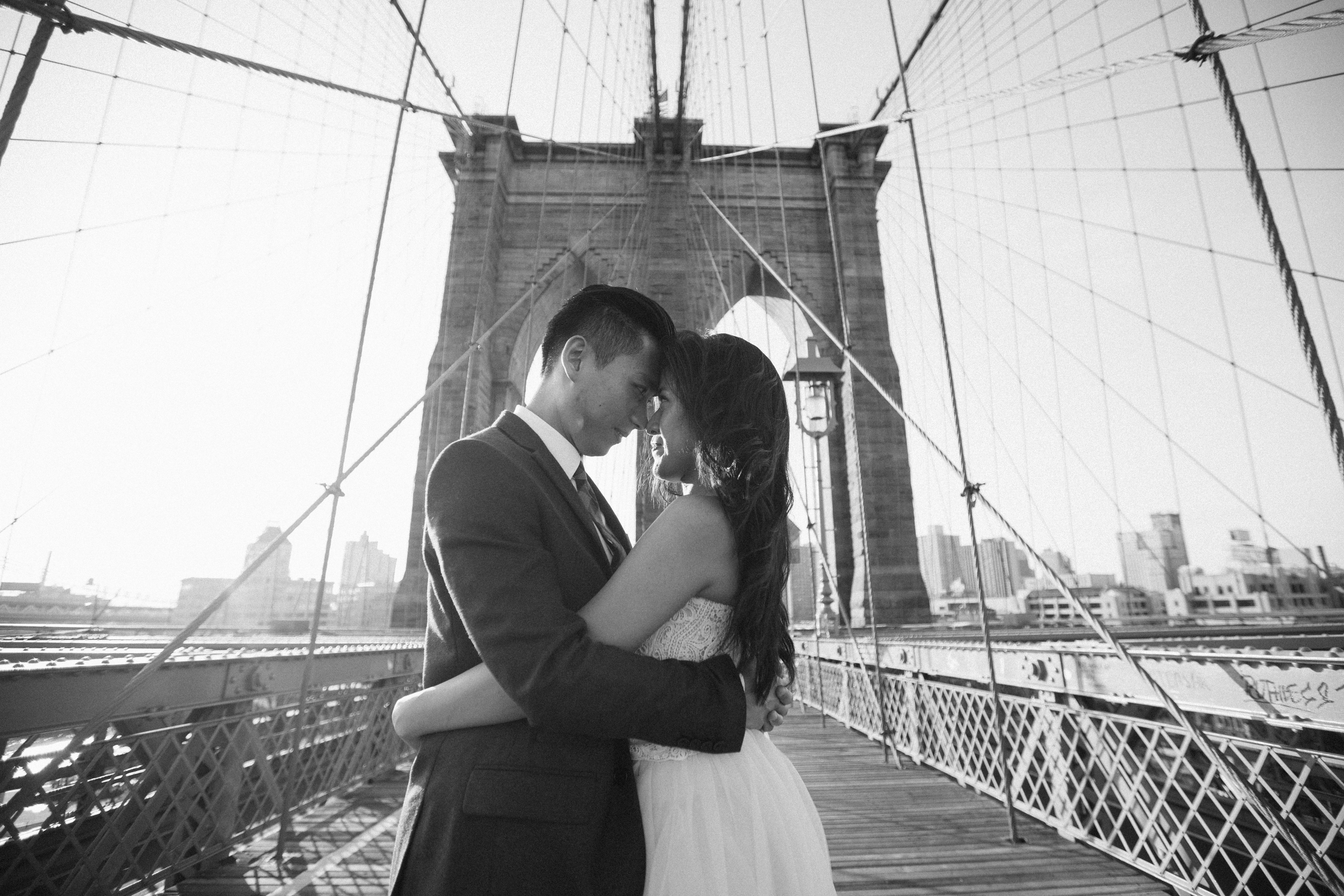 sweet moment captured on the Brooklyn bridge