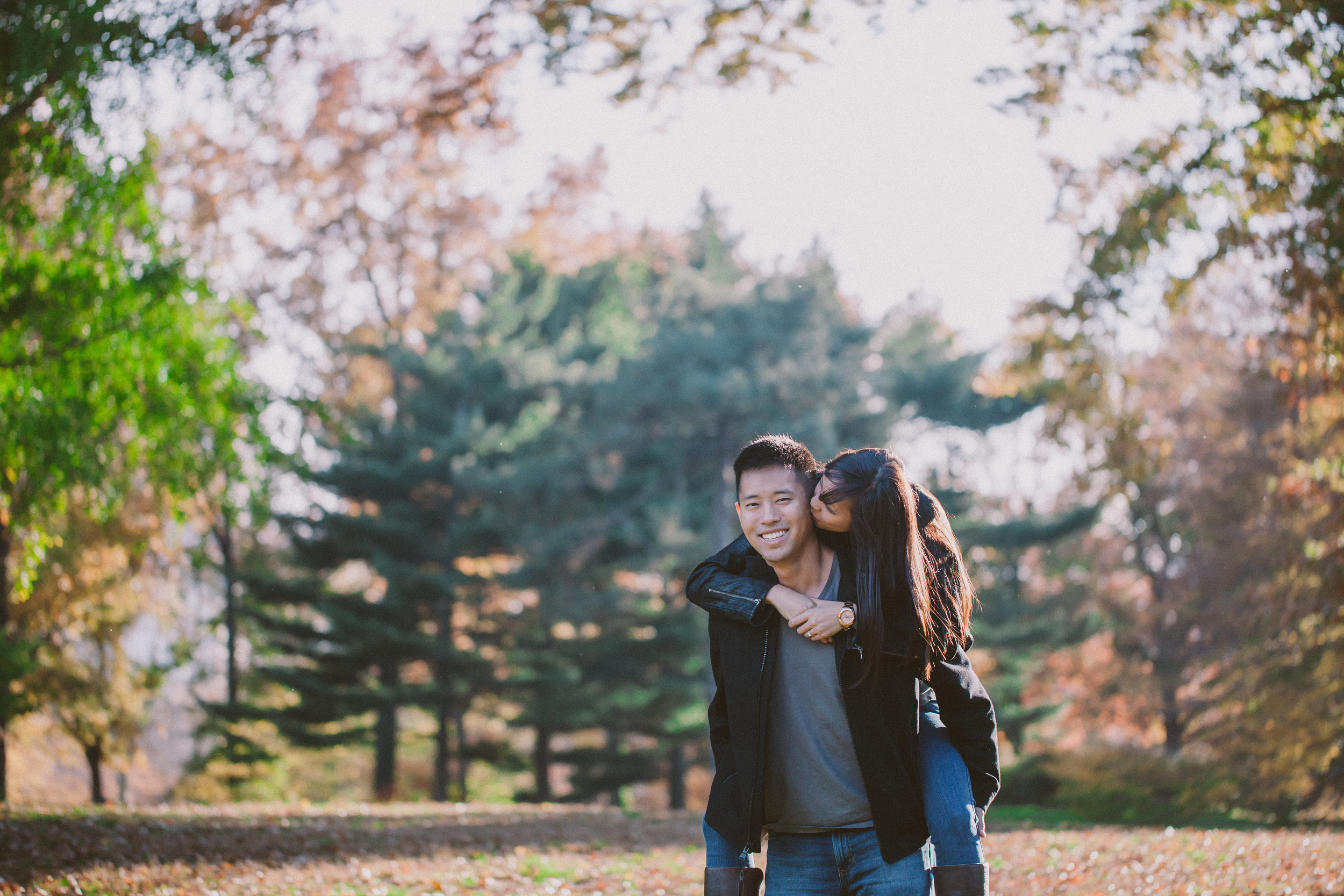 piggy back rides nyc engagement photography