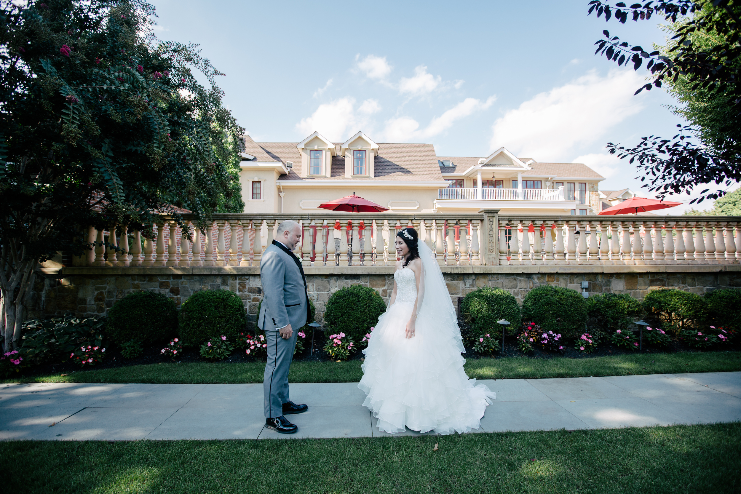 first look in the lawn at the inn at new hyde park