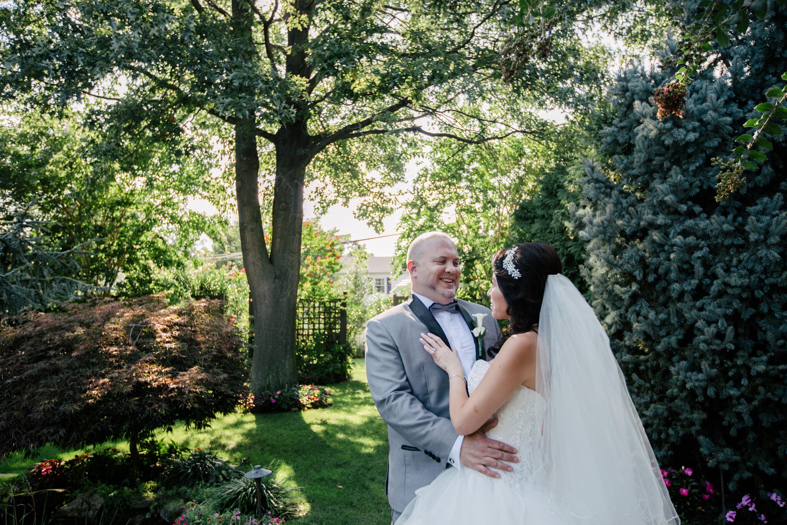 garden wedding photography at the inn at new hyde park