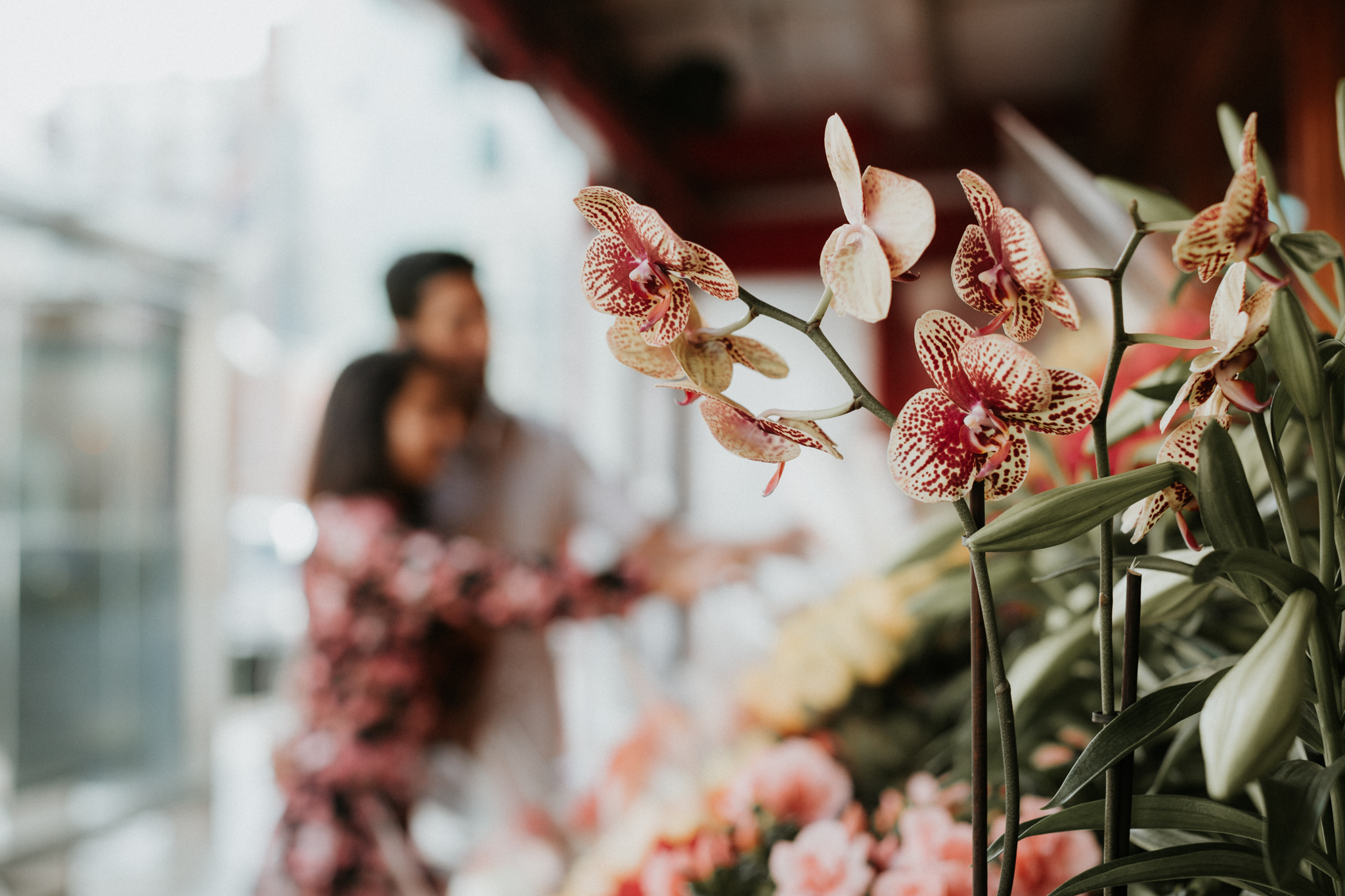 nyc engagement with flowershop