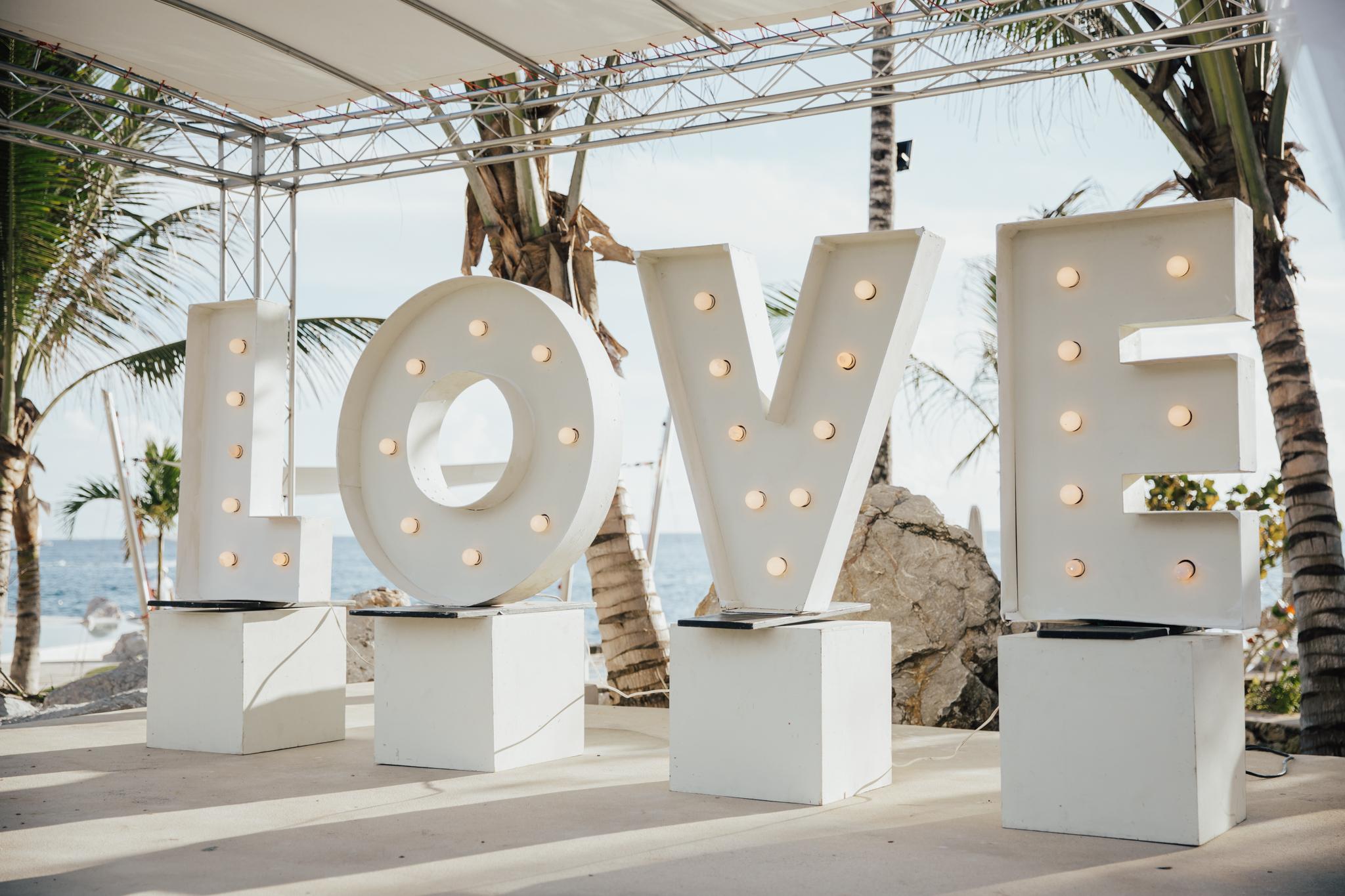 hipster wedding decor