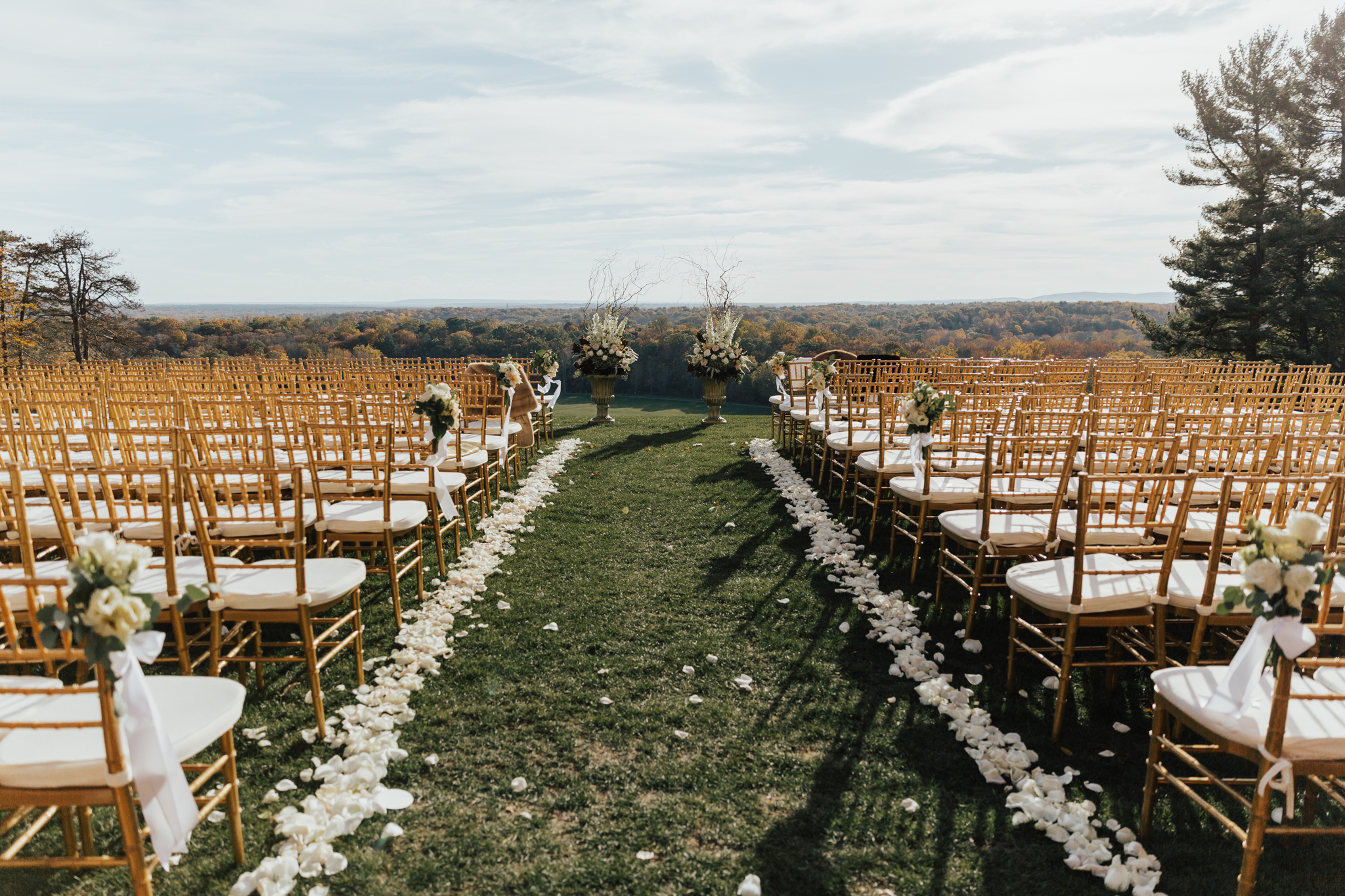 natirar mansion outdoor ceremony