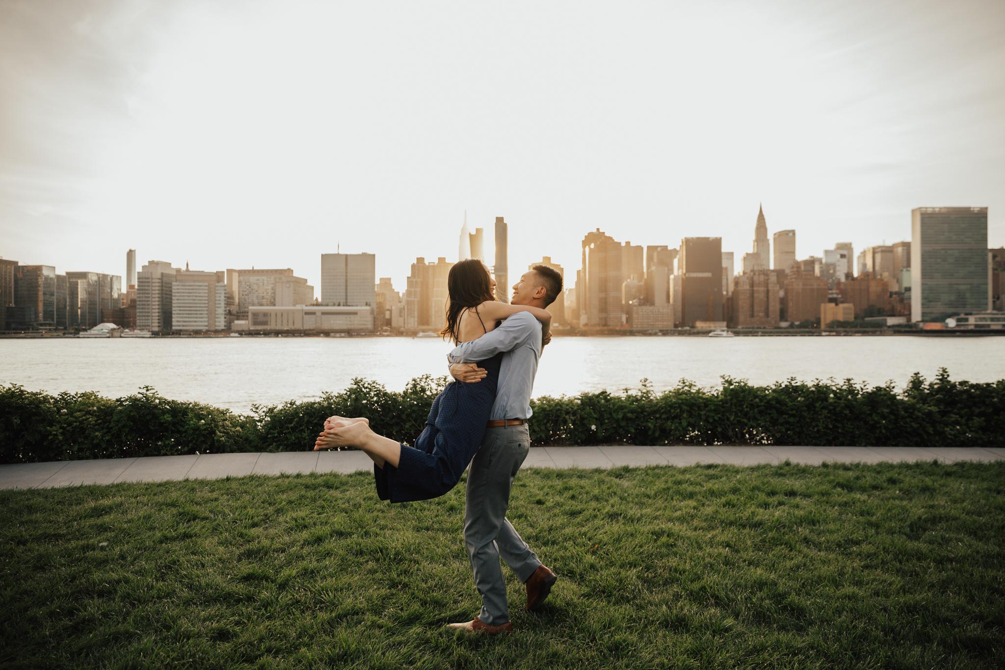 fun nyc engagement photos