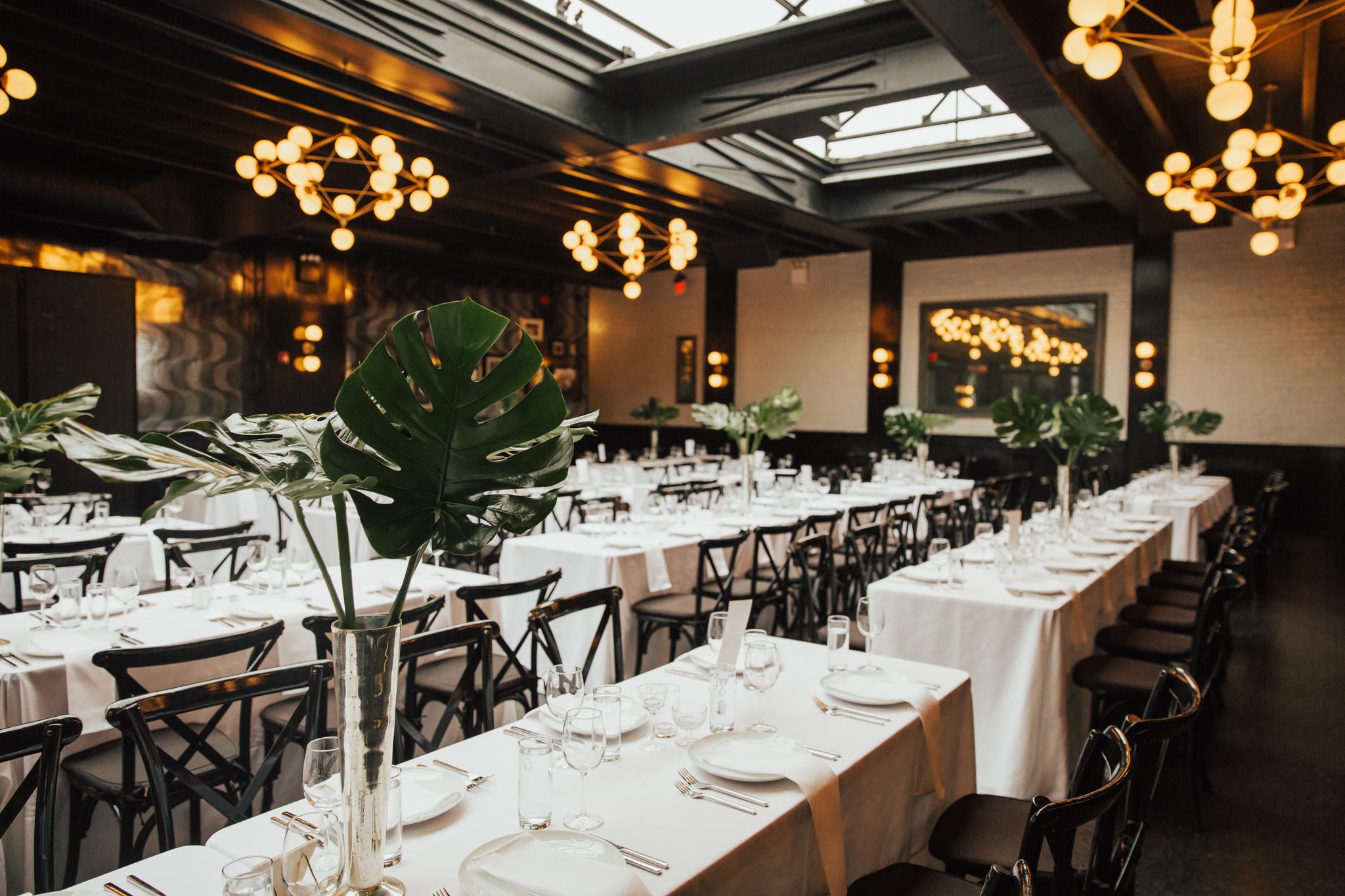 minimalistic tropical wedding decor