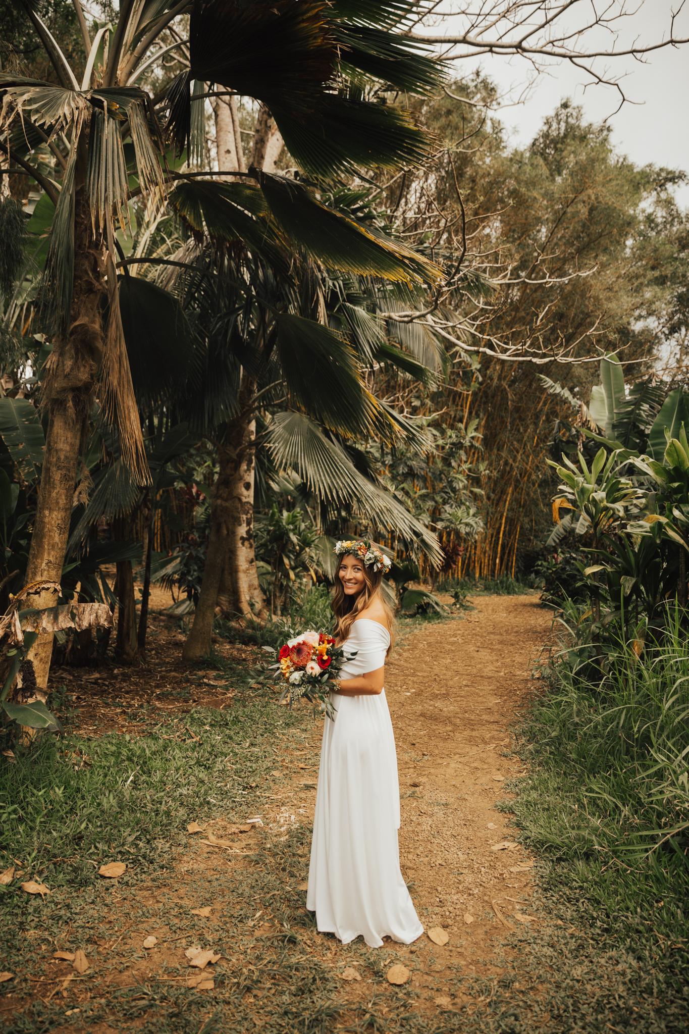 boho bride hawaii wedding