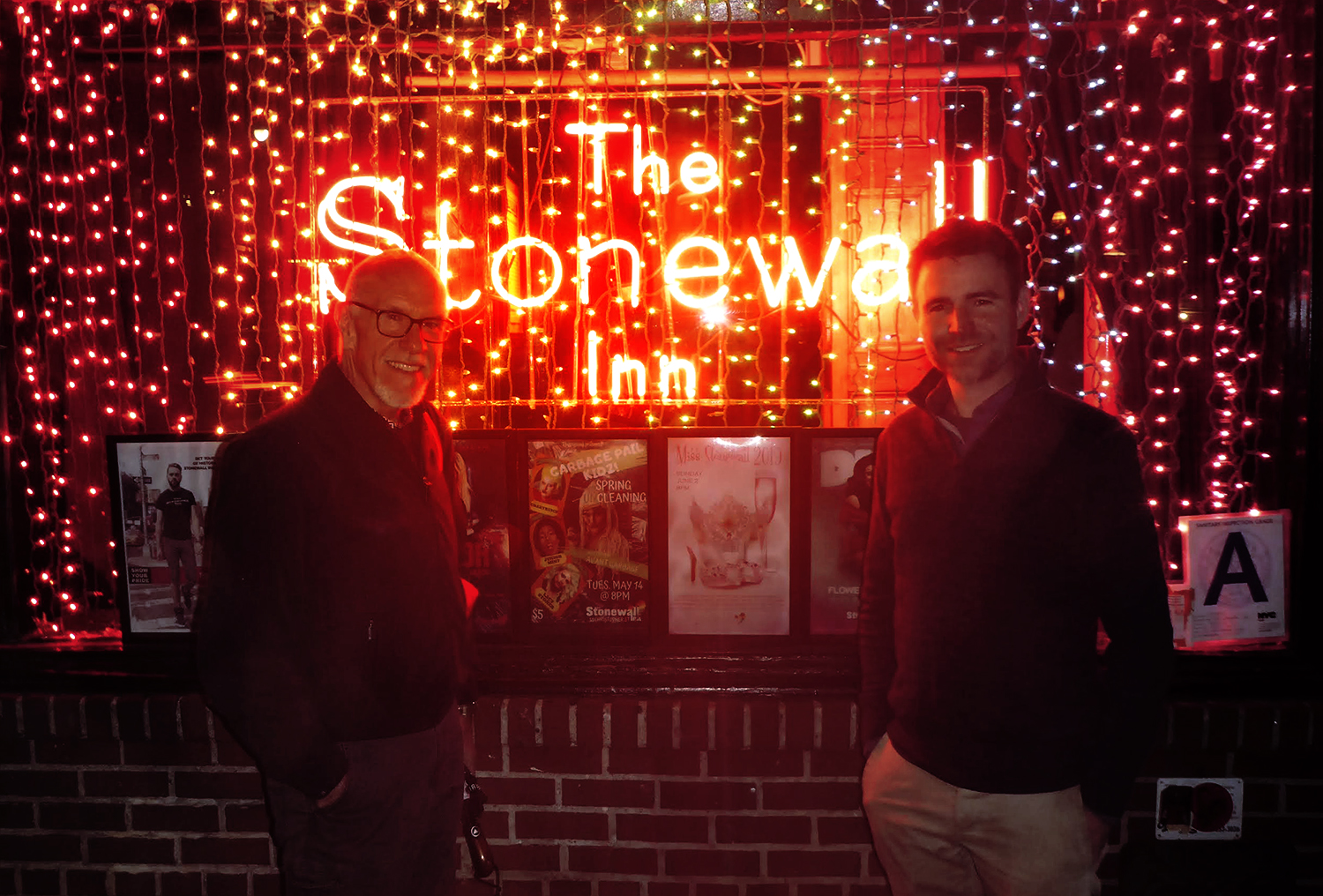 A book like 'Stonewall' calls for us to come together and last night, a few blocks away from the historic Stonewall Inn itself, we did just that! Rob Sanders, sharing an evening (and an umbrella) with you— it doesn't get better. Thanks so much Howard Willams and the gracious team at the LGBT Center for having us, my dear Illustration Rep Pat Lindgren for being there as well, and to all those who came-