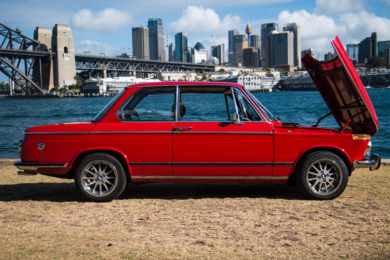 BMW-2002-Car-24.jpg