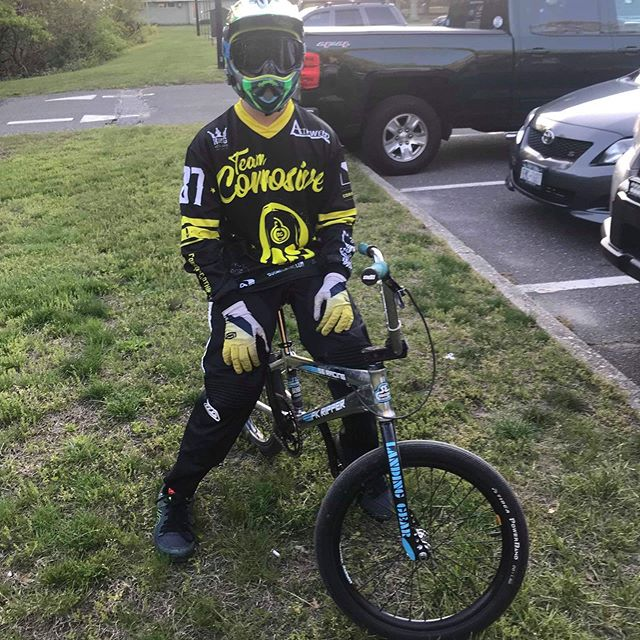 @bike_life037 looking stealth in his new Team Corrosive Jersey. WELCOME TO THE TEAM!!!! @sebikes #sebikes #seracing #pkripper #sebikeslife
