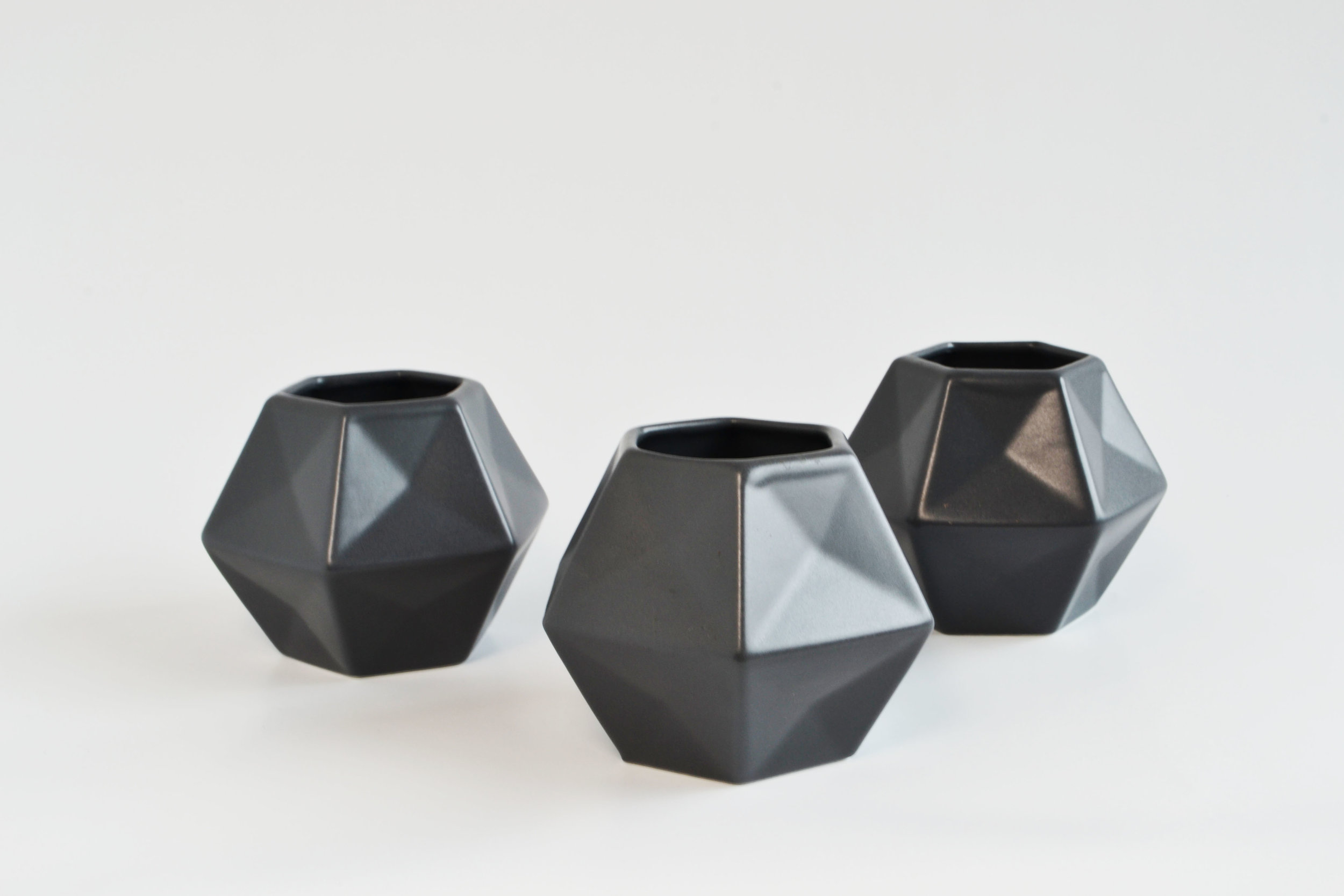 hex vase, dark grey   Quantity: 82  Price: $4.50