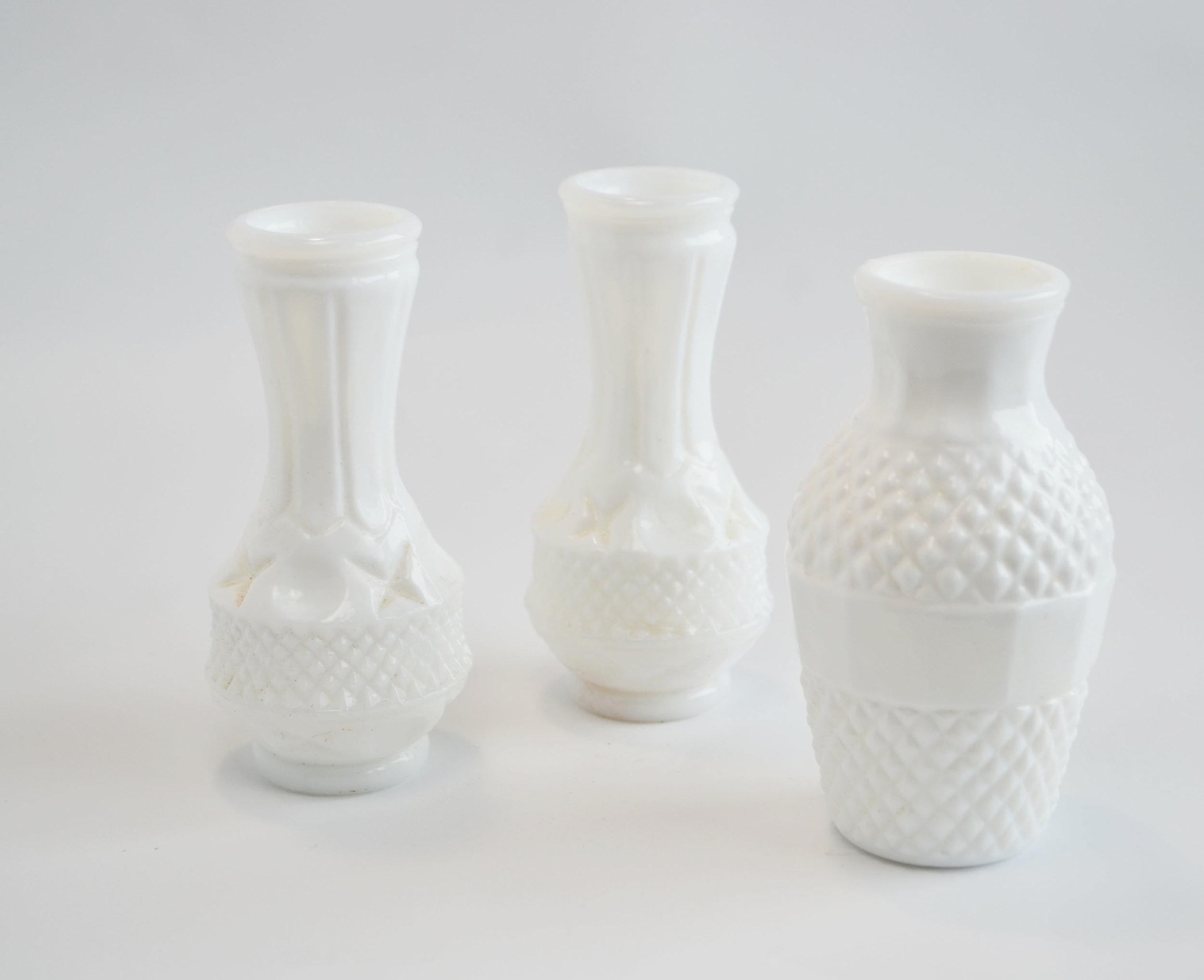 milk glass bud vase   Quantity: 18  Price: $3.50