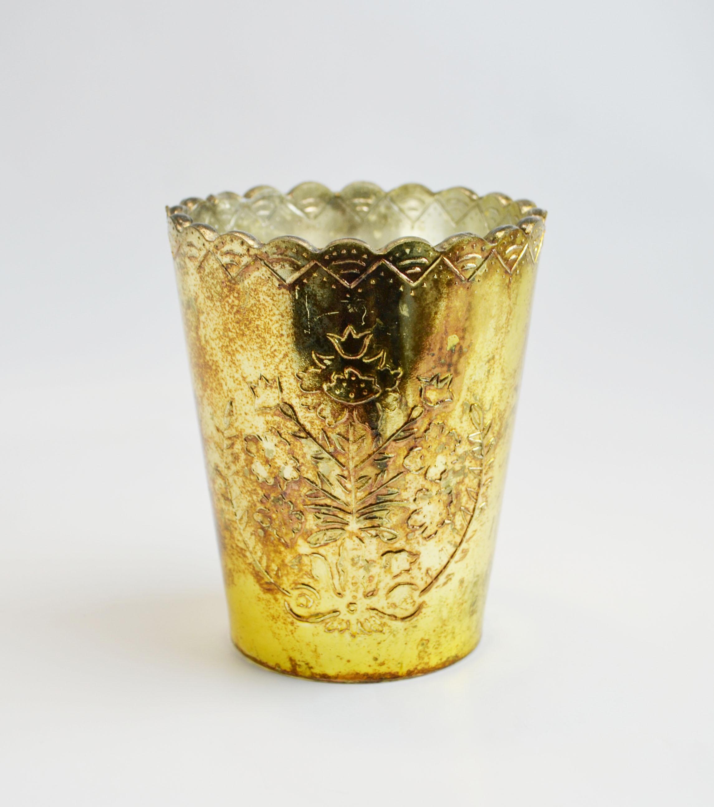 gold Elizabeth vase   Quantity: 11  Price: $7.50