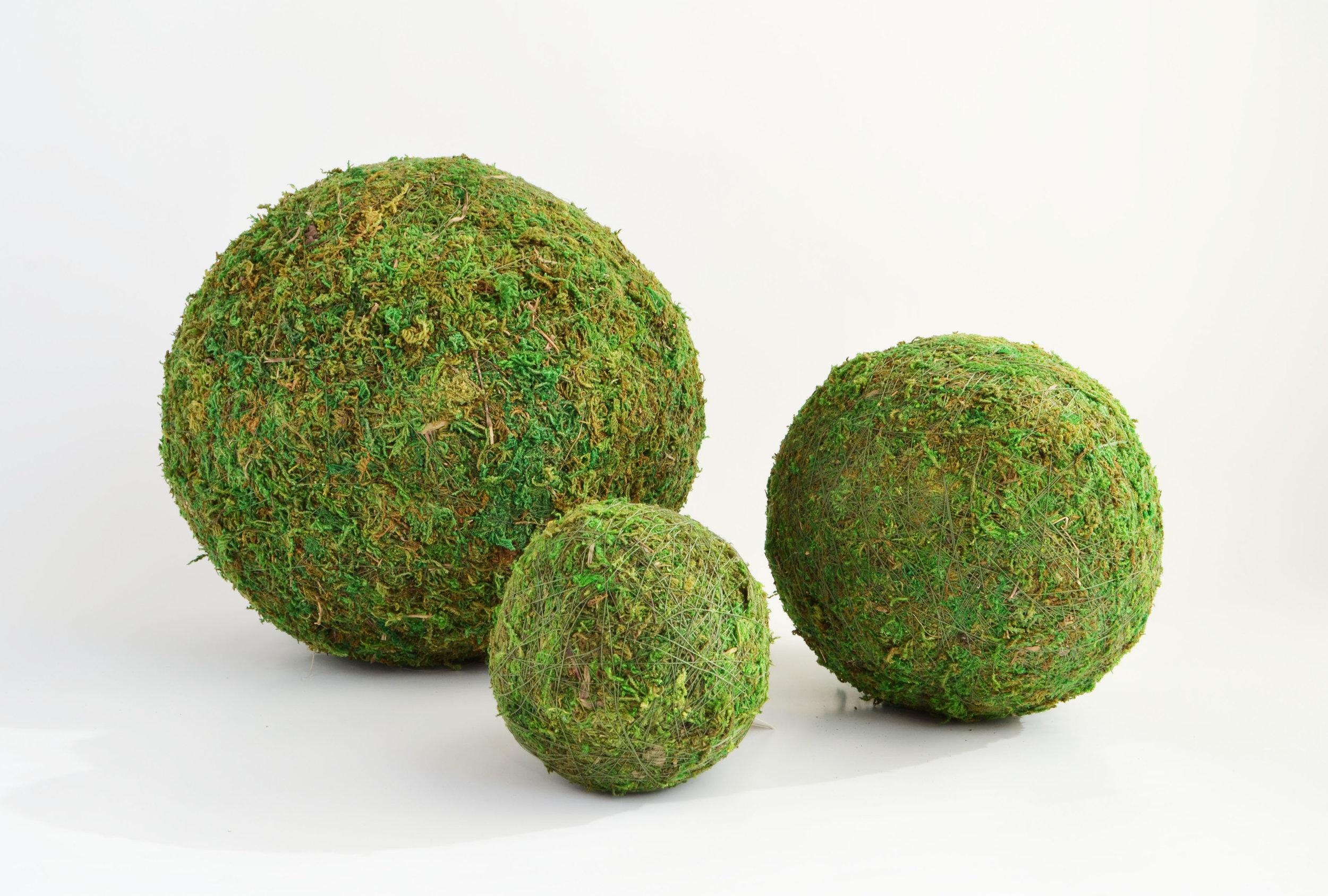 "artificial moss balls - 12"",6"",4""   Quantity: L (20) - M (20) - S (20)  Price: $10.00 - $8.00 - $5.00"