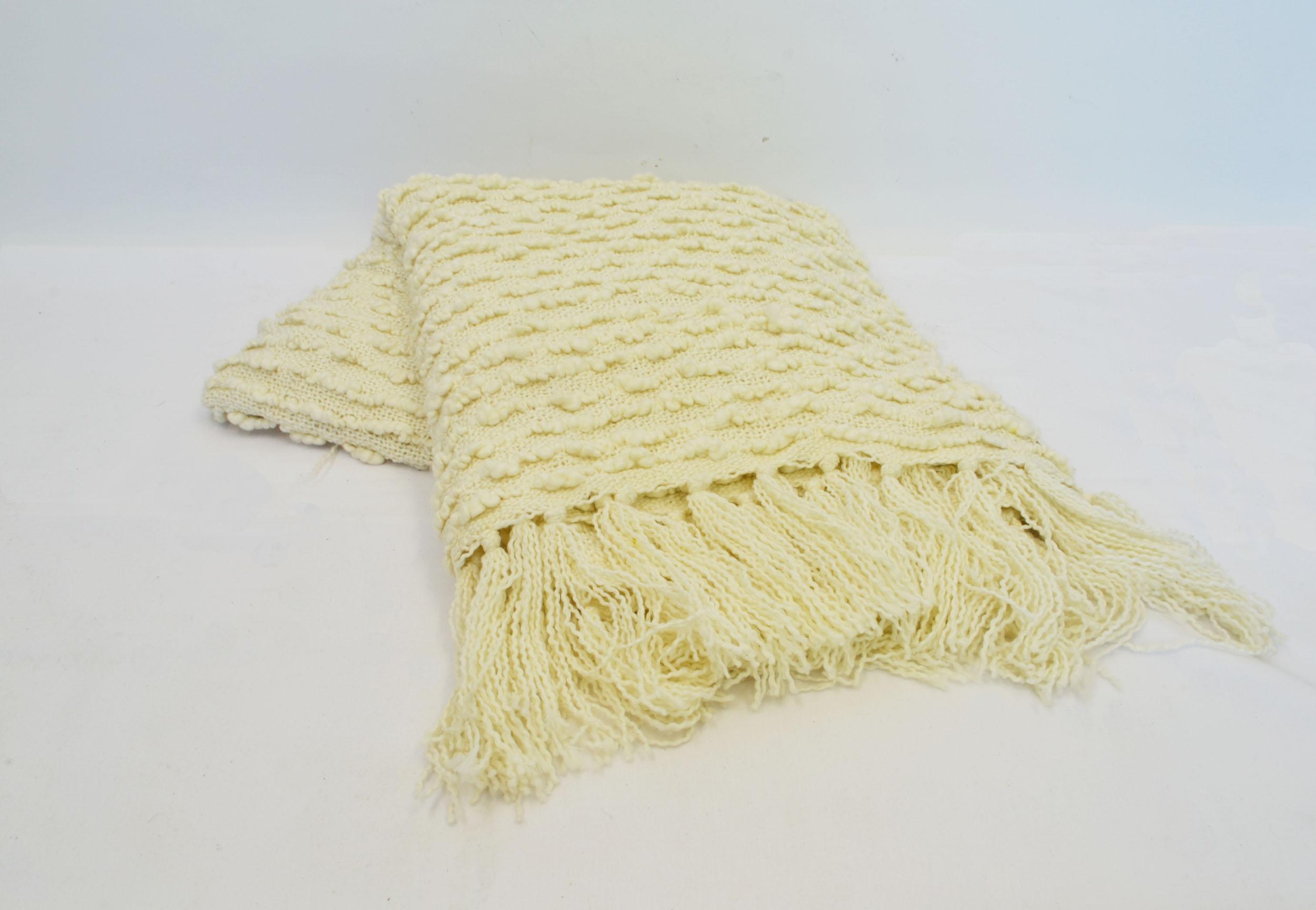 cream throw blanket   Quantity: 1  Price: $5.50
