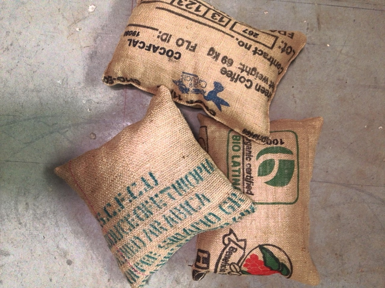 burlap coffee pillow cases   Quantity: 4  Price: $4.50