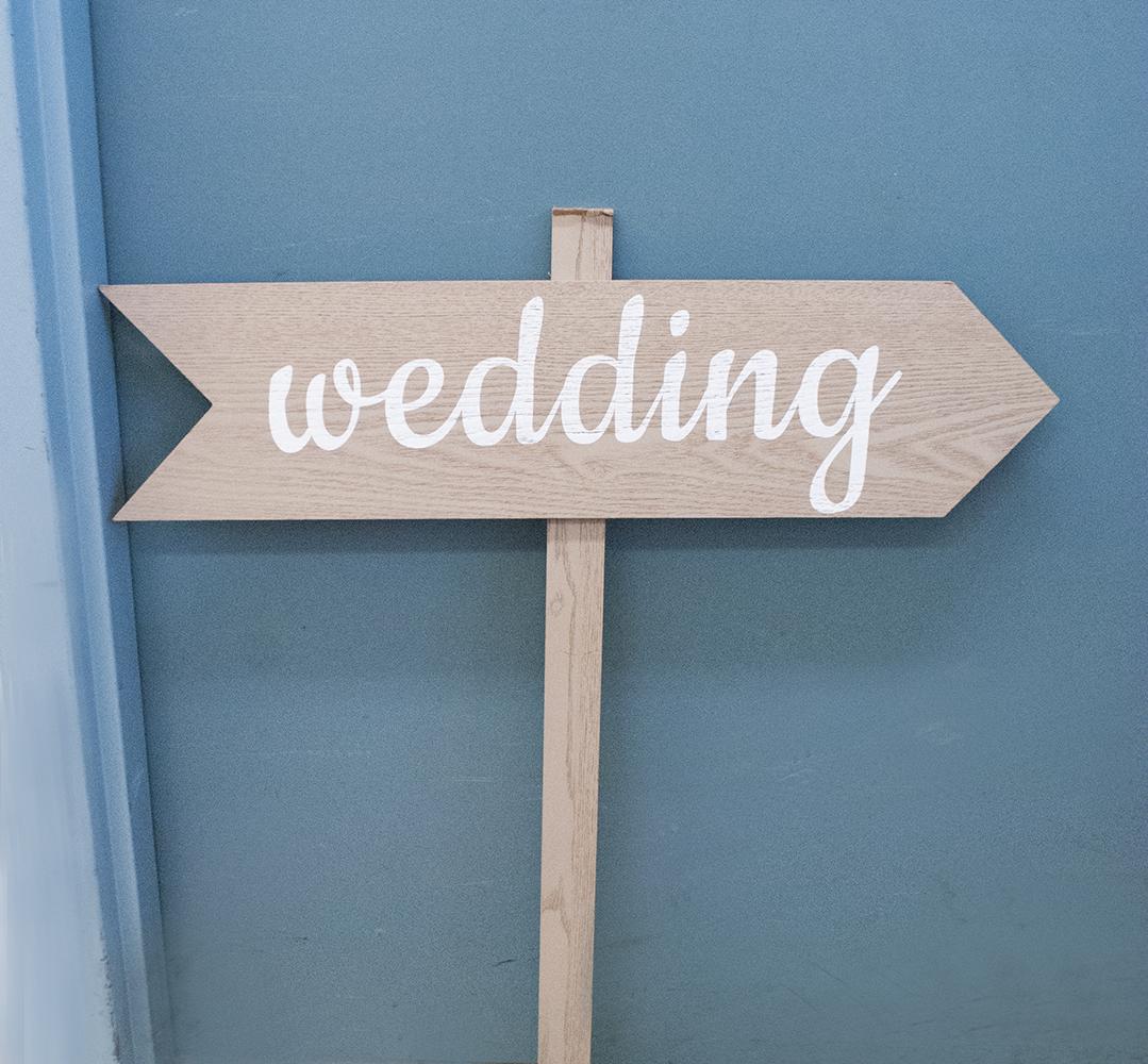 arrow post - wedding  Quantity: 3  Price: $25.00