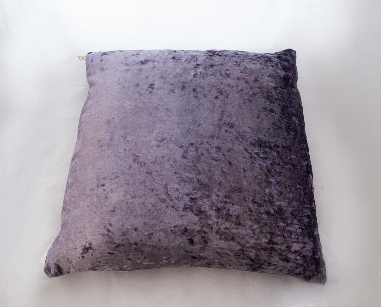 lilac velvet pillow   Quantity: 2  Price: $10.00