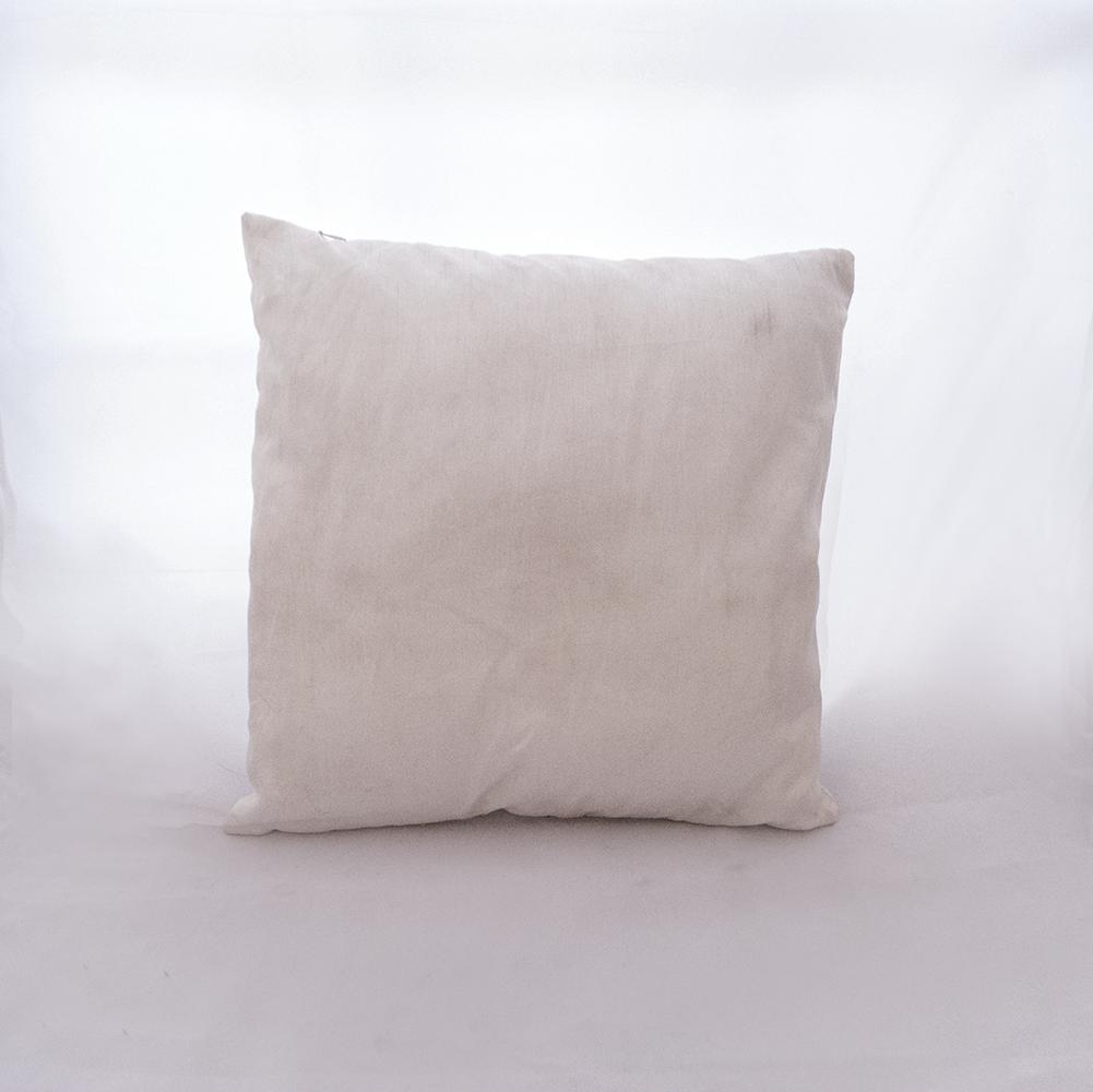 white pillow   Quantity: 2  Price: $10.00