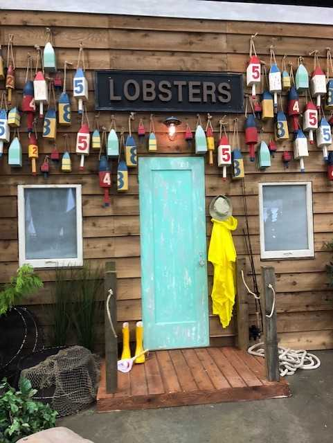 custom - lobster shack facade   email us about your custom build inquiry