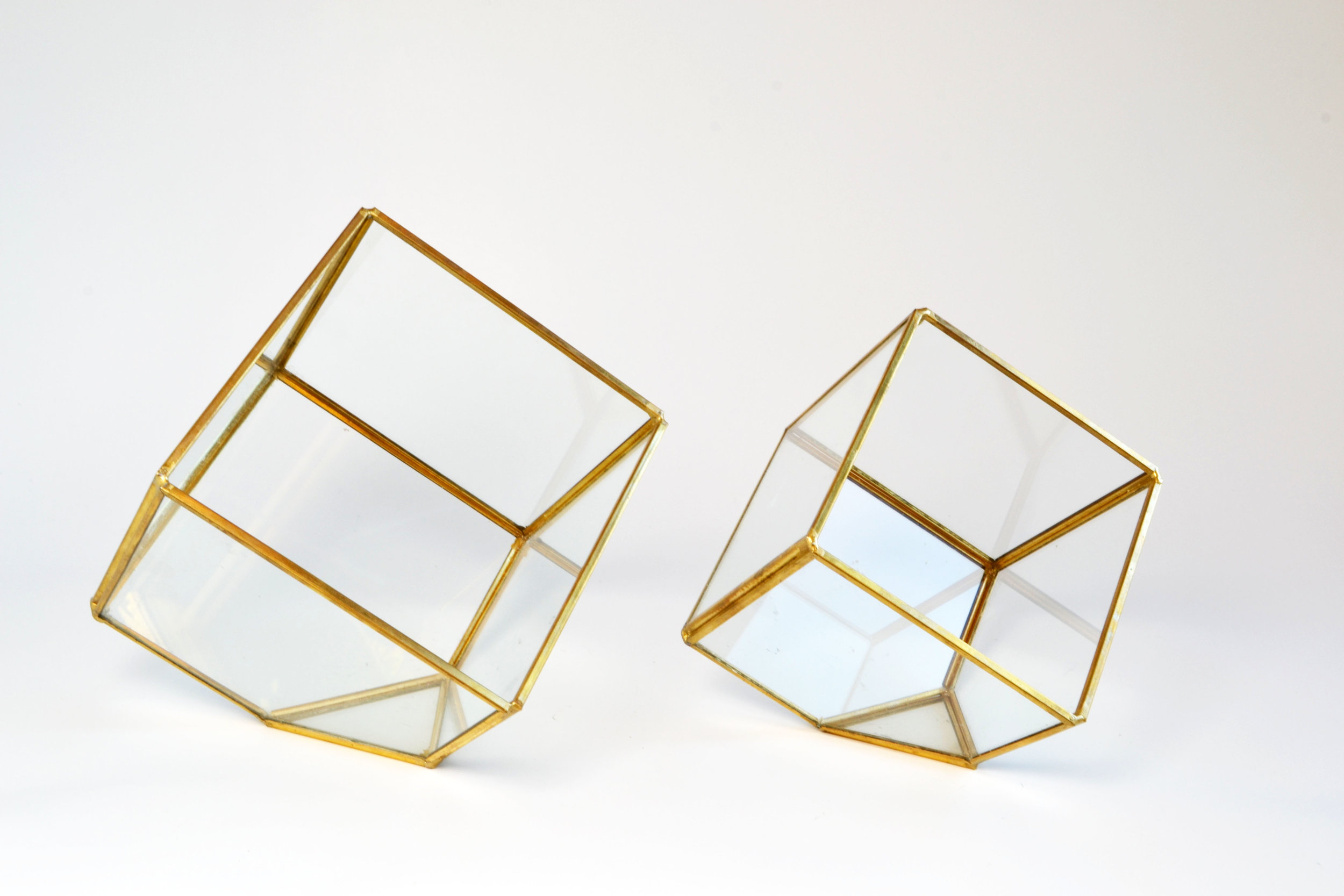 square - gold terrarium (Large) + (small)   Quantity: 56 - 36  Price: $6.50 - $8.50
