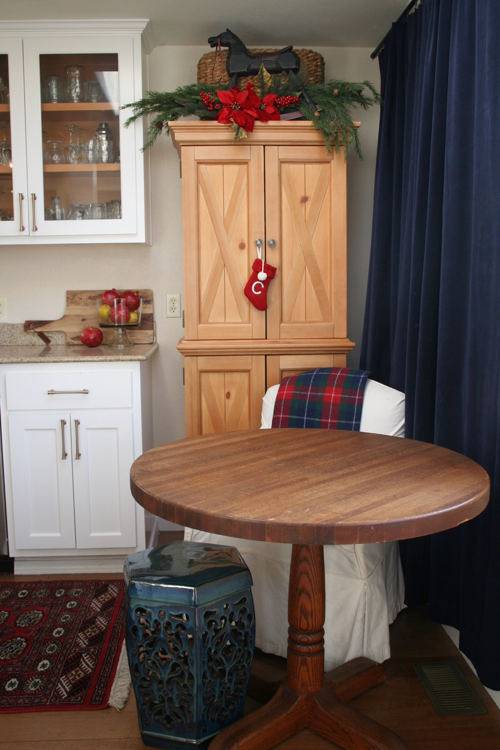 Coastal Christmas Dining Nook