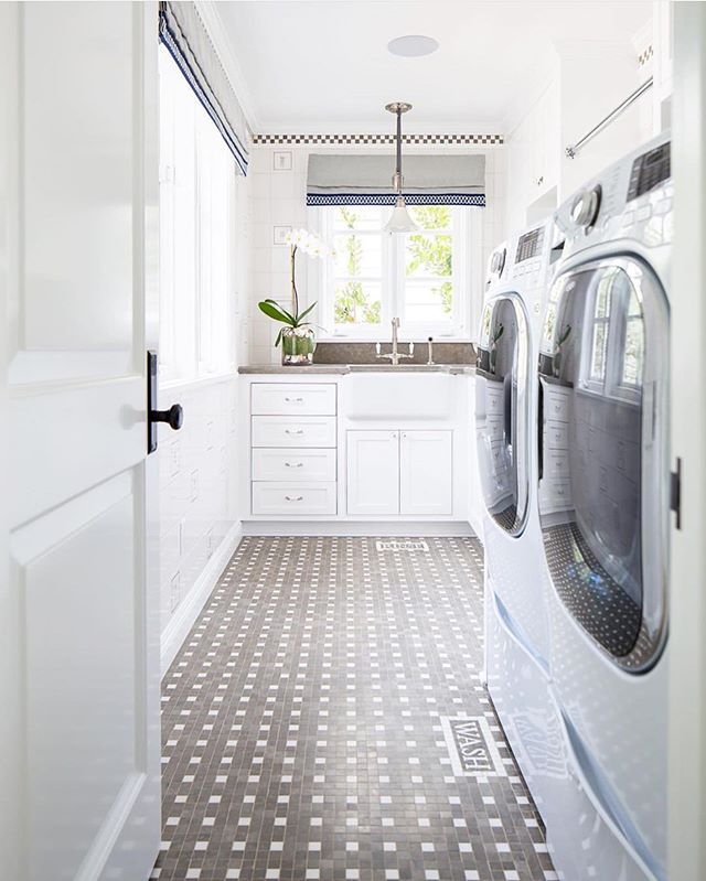 The Laundry Pile may be winning in this last week of the kid's school,🤷🏼‍♀️ but I can at least dream of a tidy, and BEAUTIFUL, space like this one by @barclaybutera!😍 Wish me luck!🤣 #laundryroom #laundry #laundryday