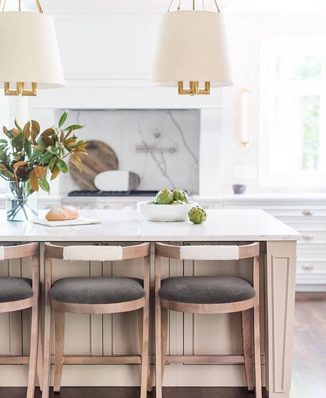 Tap a ❤️ if you love these beautiful kitchen details and design by @whittneyparkinson!💫 Those lights and stone really caught my eye! . Design: @whittneyparkinson  Photo: @karissasprinkle  Construction: @bhowell_design . . . . . #interiordecorating #interiordecor #kitchens #kitchenideas #kitchensofinstagram #marblebacksplash #homedecorating #homeinspo #interiordesign #interiordesignideas #barstools #kitchenisland #newconstruction #luxuryhomes #luxuryhome #homedesignideas #placeswegather #coastalinteriors #traditionalhome #coastaldecor #smmakelifebeautiful #mydomaine #housedecor #lighting #beautifulhomes #coastalhome #coastalliving #kitchendesign #coastal #housegoals