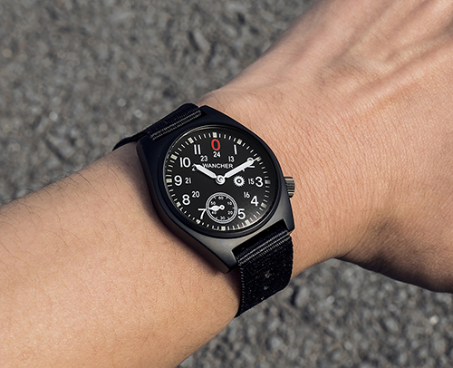 30°degree angle dial - In order to assist wearers comfortable and easier with checking the time during driving or working, the 30 degree angle dial can help you to see the time properly without moving your wrist. Comparing with the 90 degree angle like the traditional watches, with slightly changing your eyes, you can be able to see the time exactly without moving your wrist.