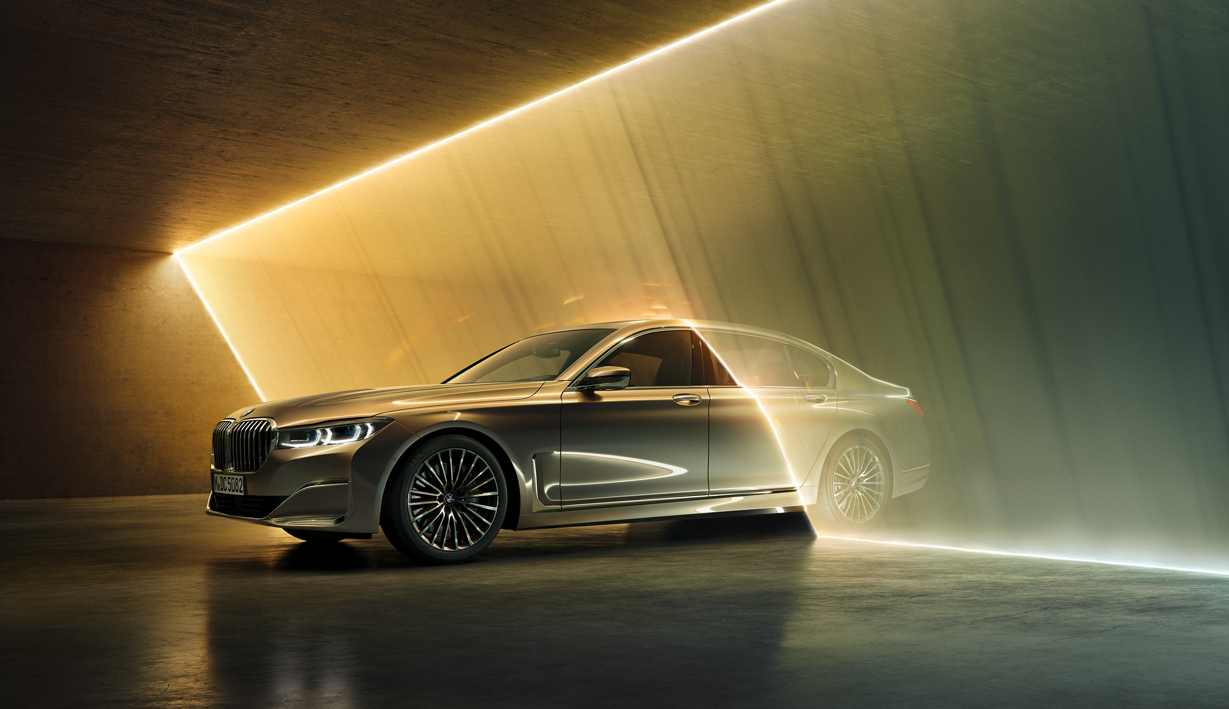 BMW 7 Series  (i)