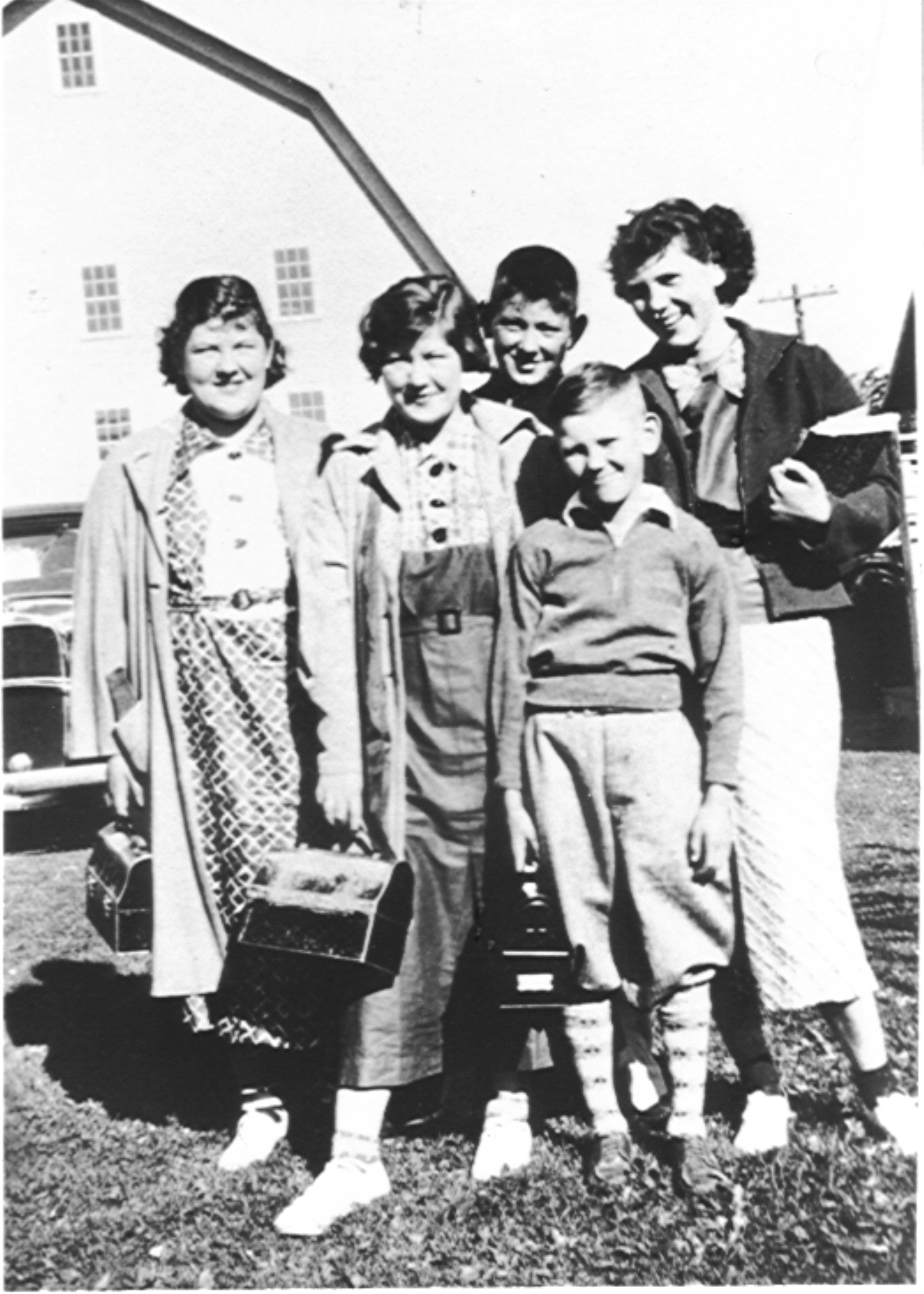 Leverette and Myrtle's kids: Ginny, Connie, Ranny, June, and Bill.
