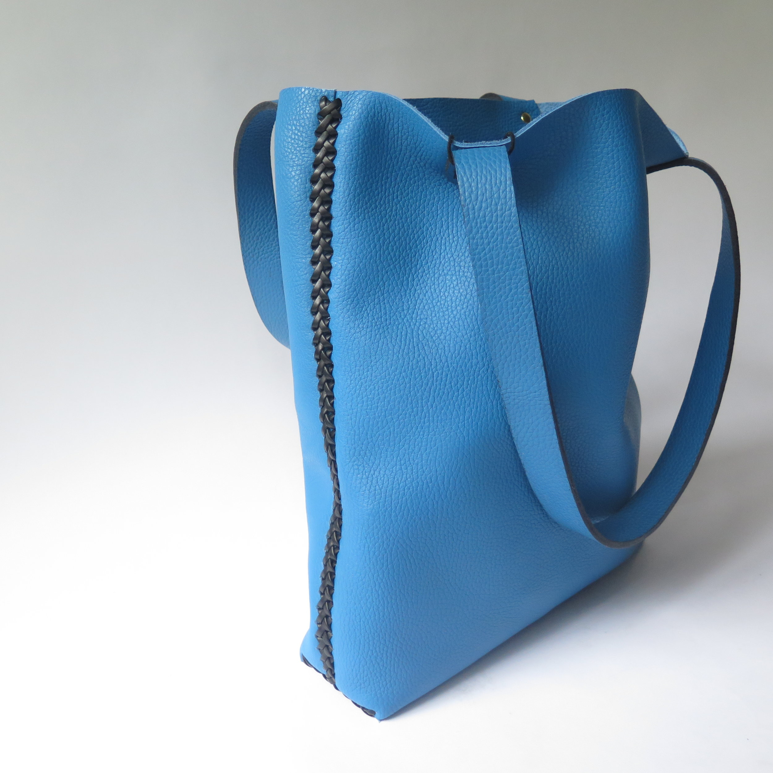 mary-savel-leather-tote-blue-with-black-lacing-3.JPG