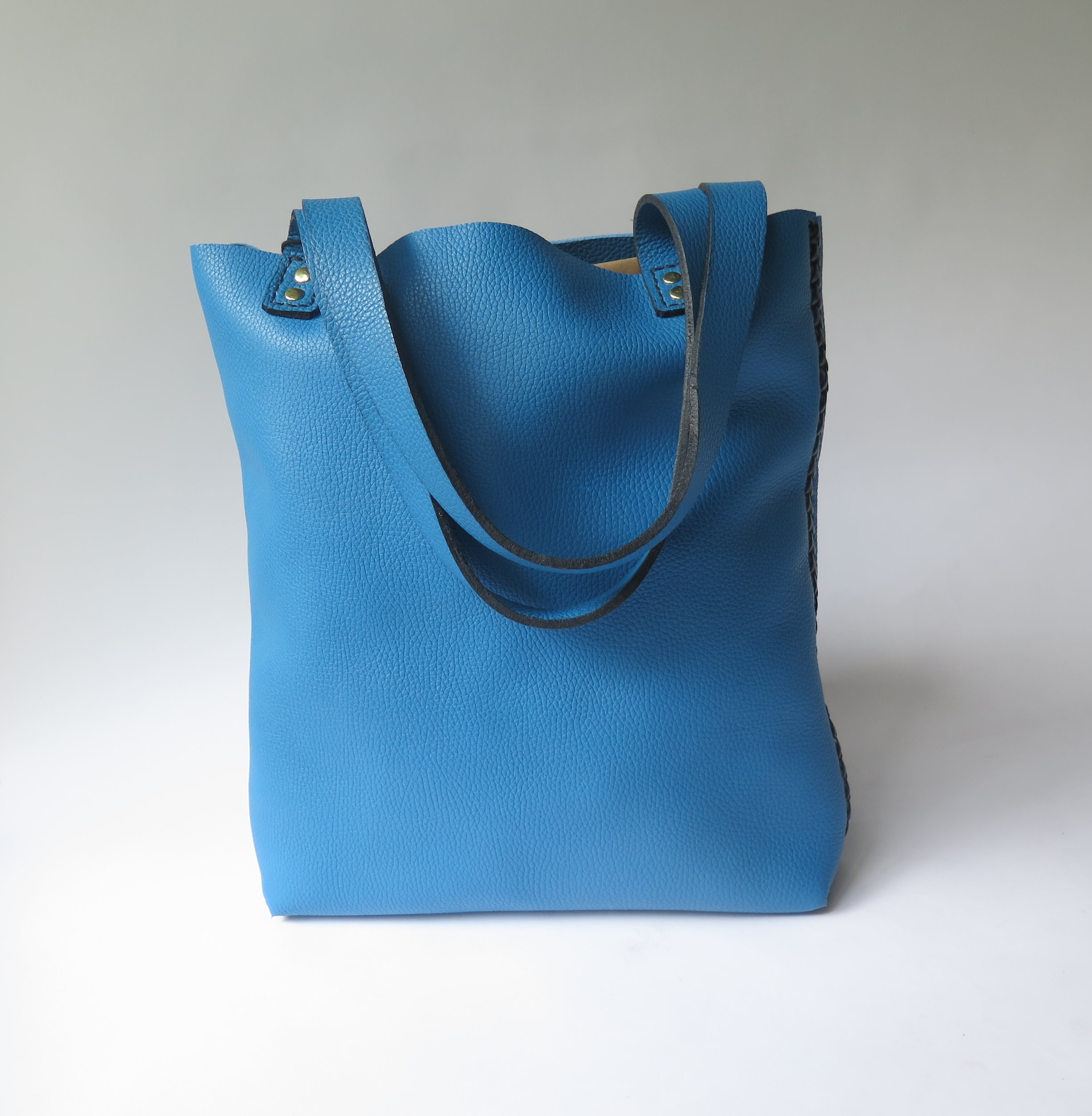 mary-savel-leather-tote-blue-with-black-lacing.JPG