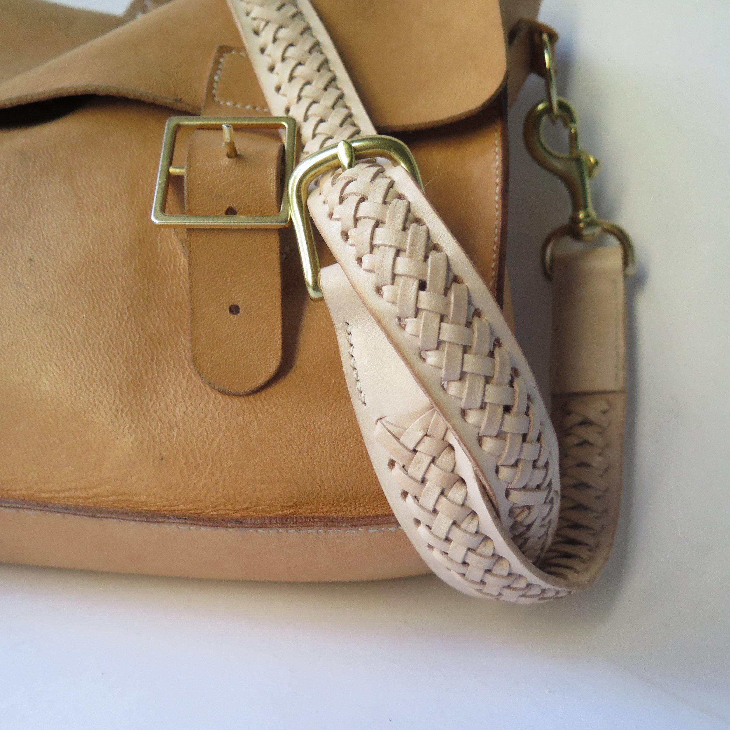 Mary-Savel-Bucky-Bag-Leather-handbag-saddle-stitch.5.JPG