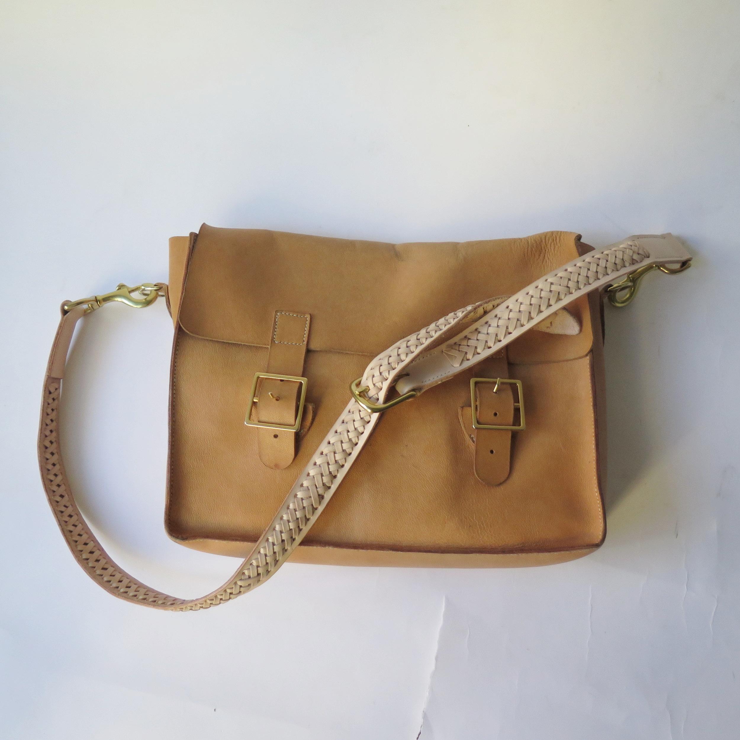 Mary-Savel-Bucky-Bag-Leather-handbag-saddle-stitch.6.JPG