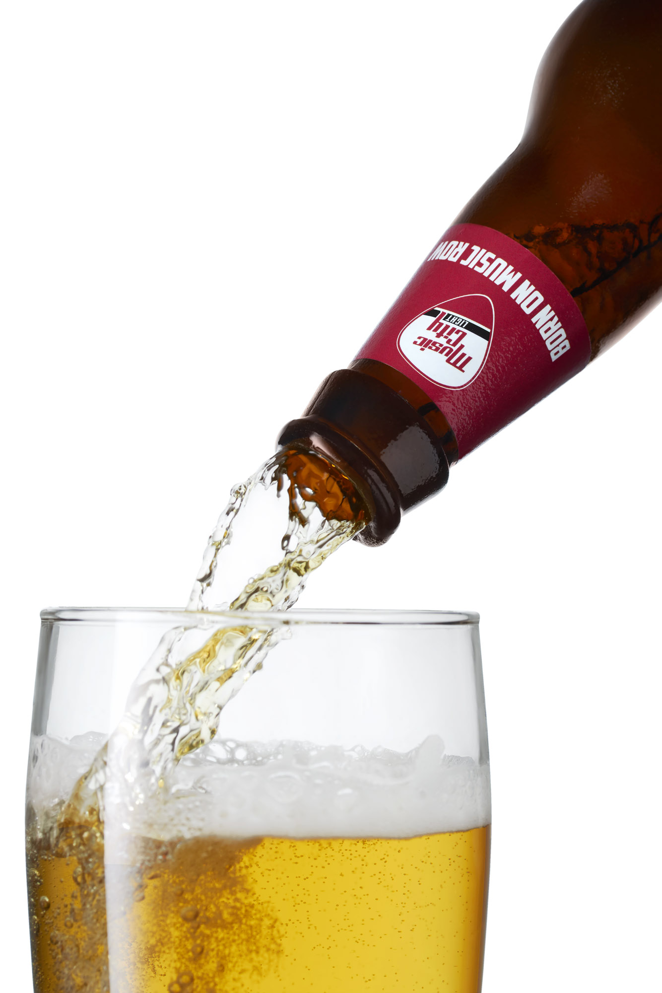 03 beer pour on white.jpg