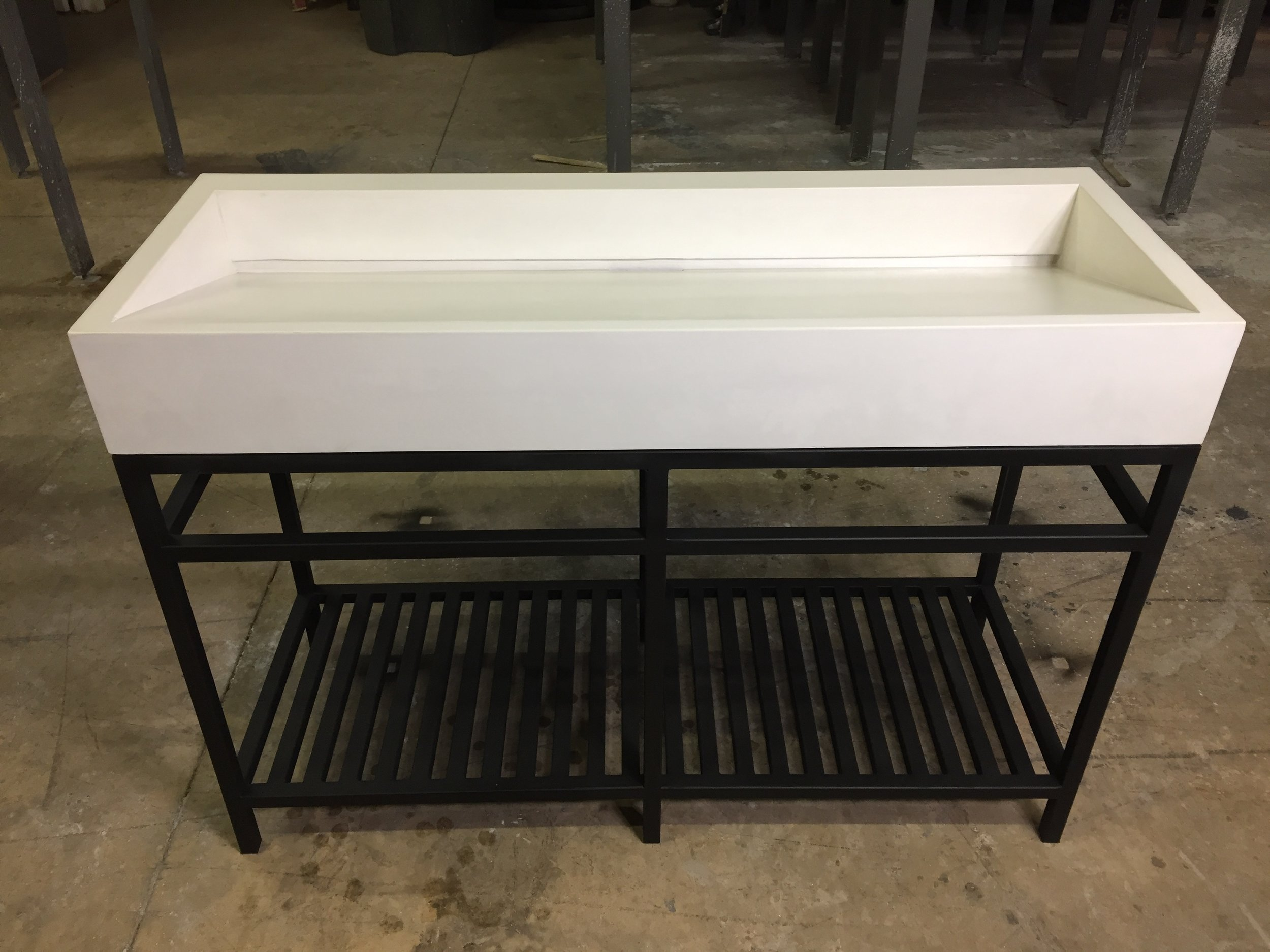 "48"" RAMP SINK ON STEEL BASE"