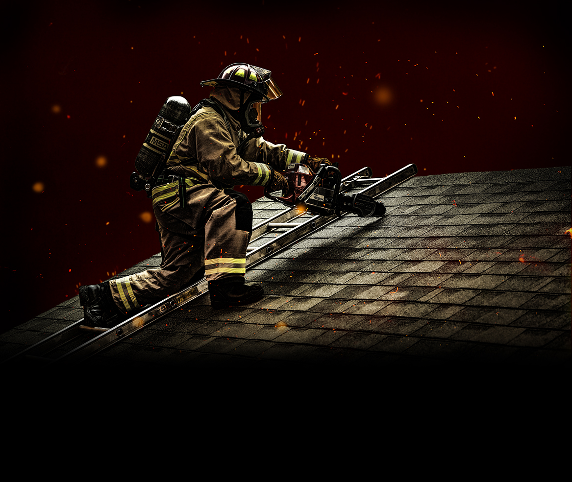 Firefighter_SCBA_Ladder_Roof.jpg