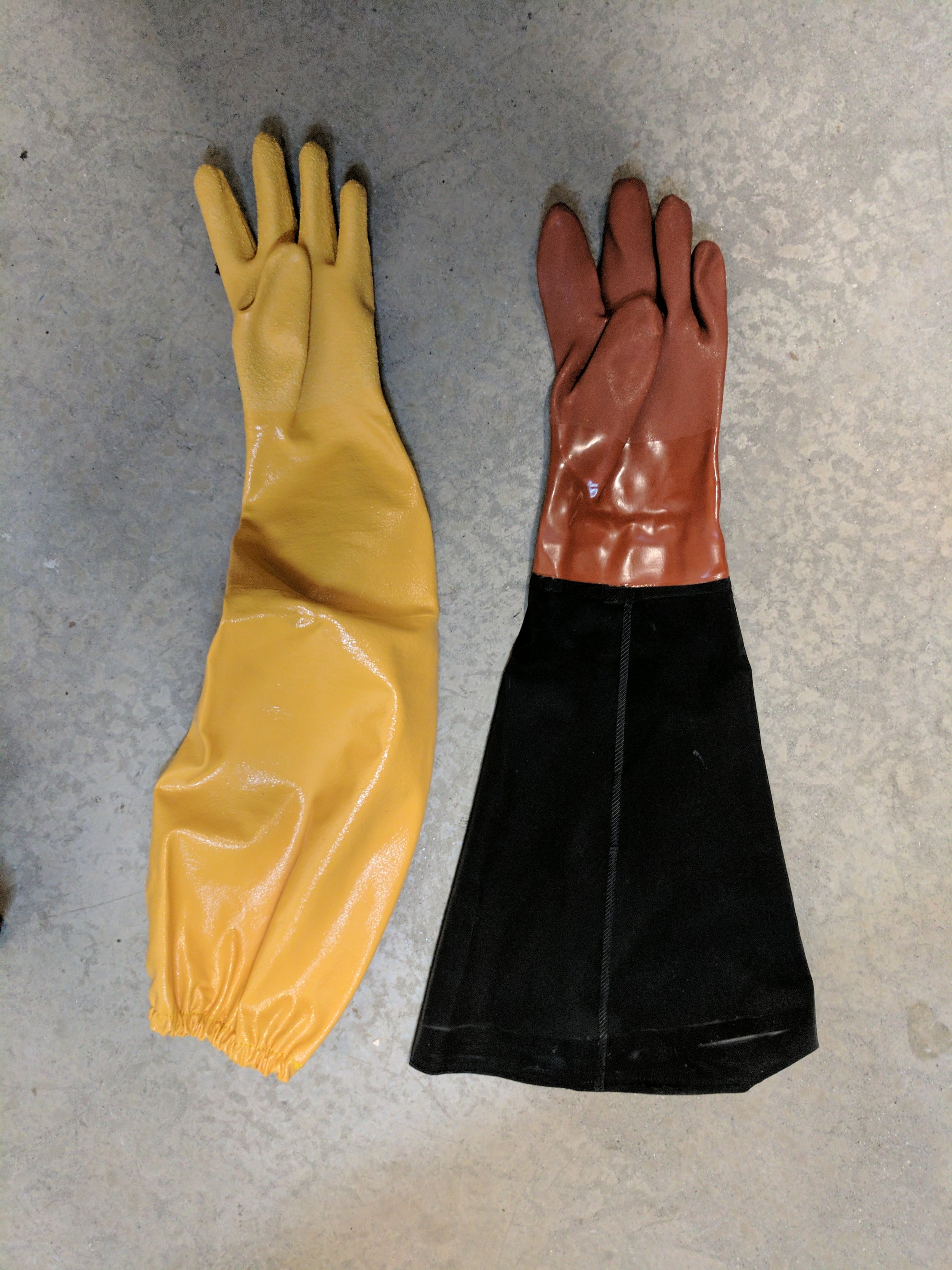 Left: Showa elbow-length nitrile gloves. Right: The gloves provided in the chamber kit.