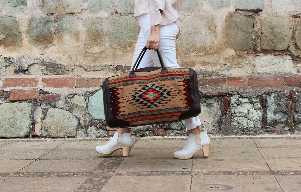 manos-zapotecas-bags.jpg